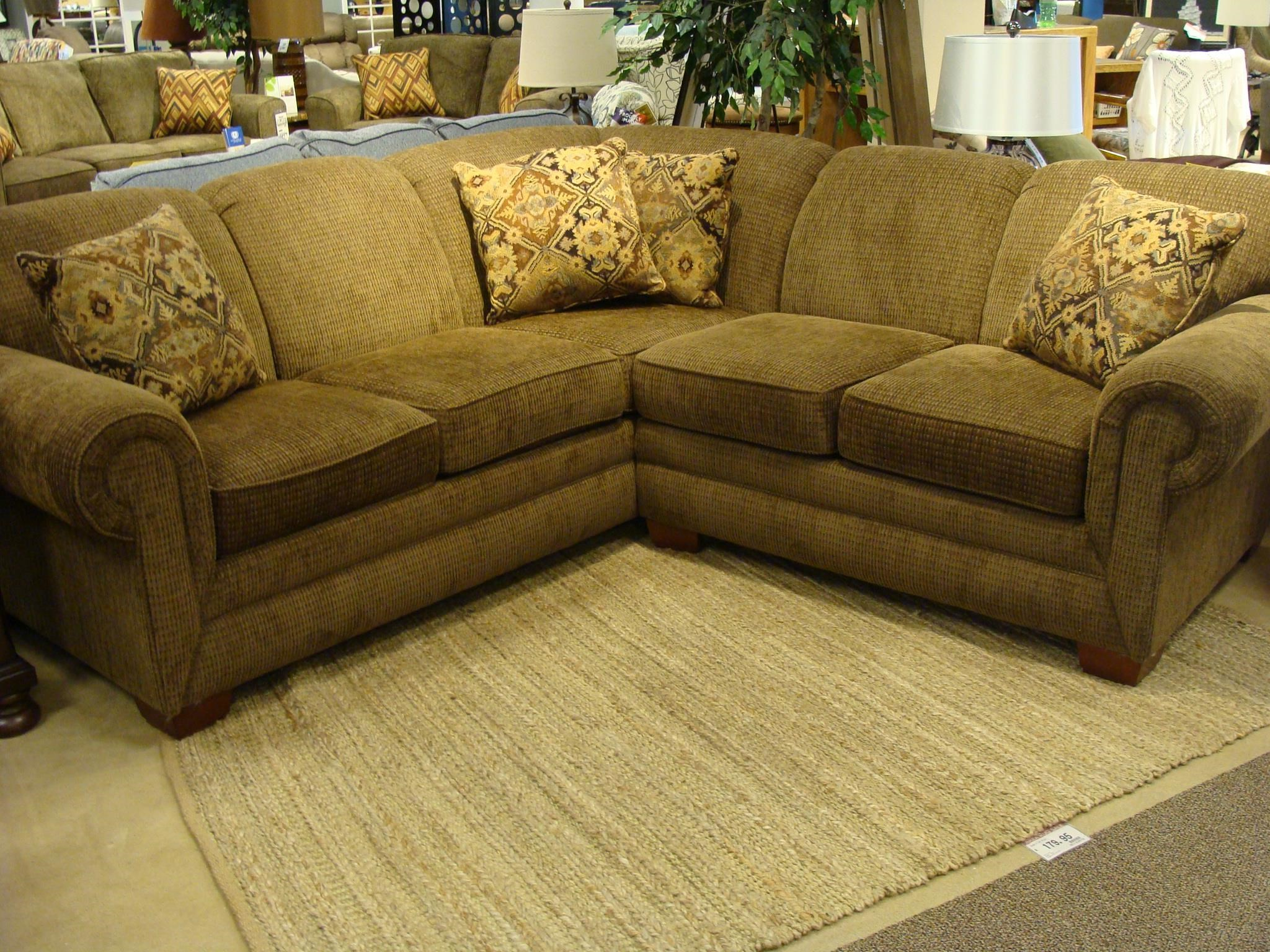 England Monroe Four Seat Corner Sectional - Item Number: 1430-28+64