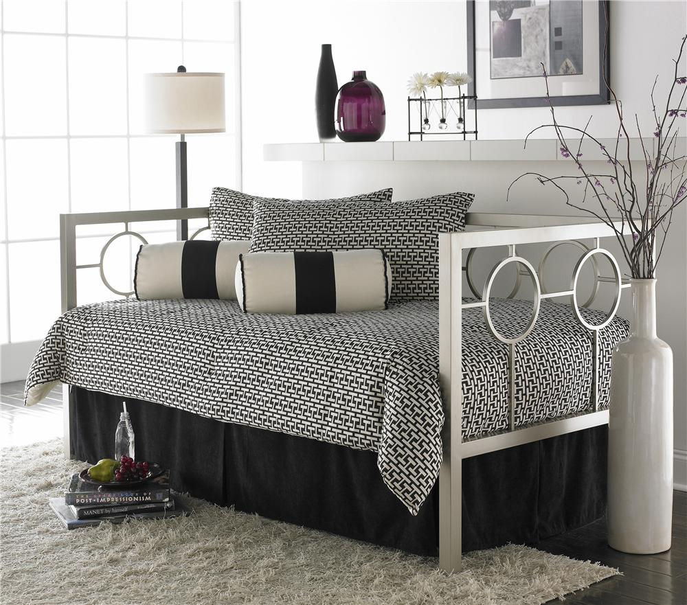 Fashion Bed Group Daybeds Astoria Daybed with Linkspring - Item Number: B11053