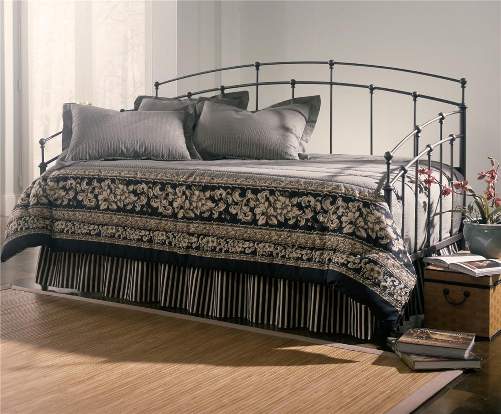 Fashion Bed Group Daybeds Fenton Daybed with Link Spring - Item Number: B41703+480139