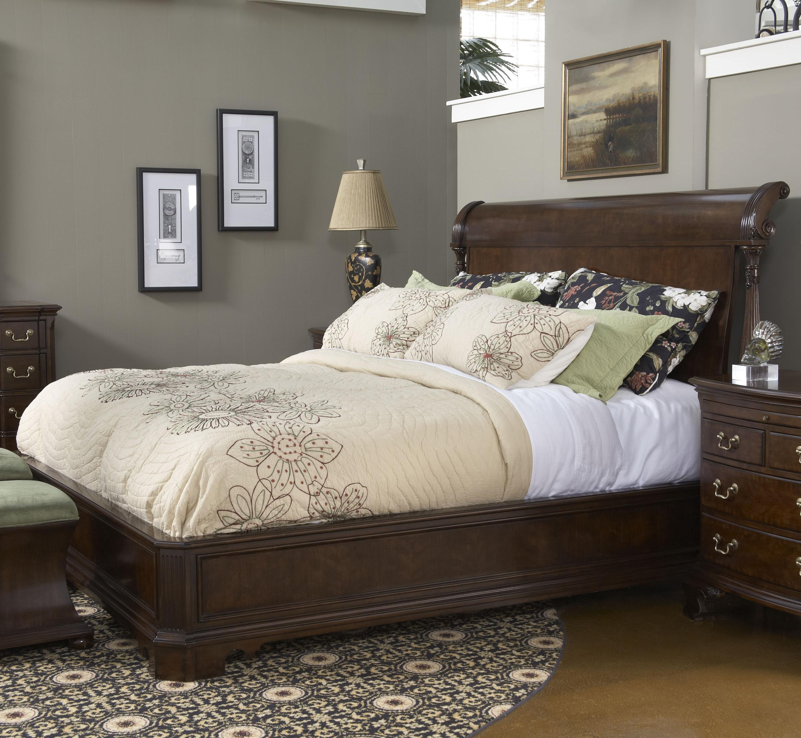 American Cherry Queen Size Charleston Platform Panel Bed With Rounded Headboard By Fine