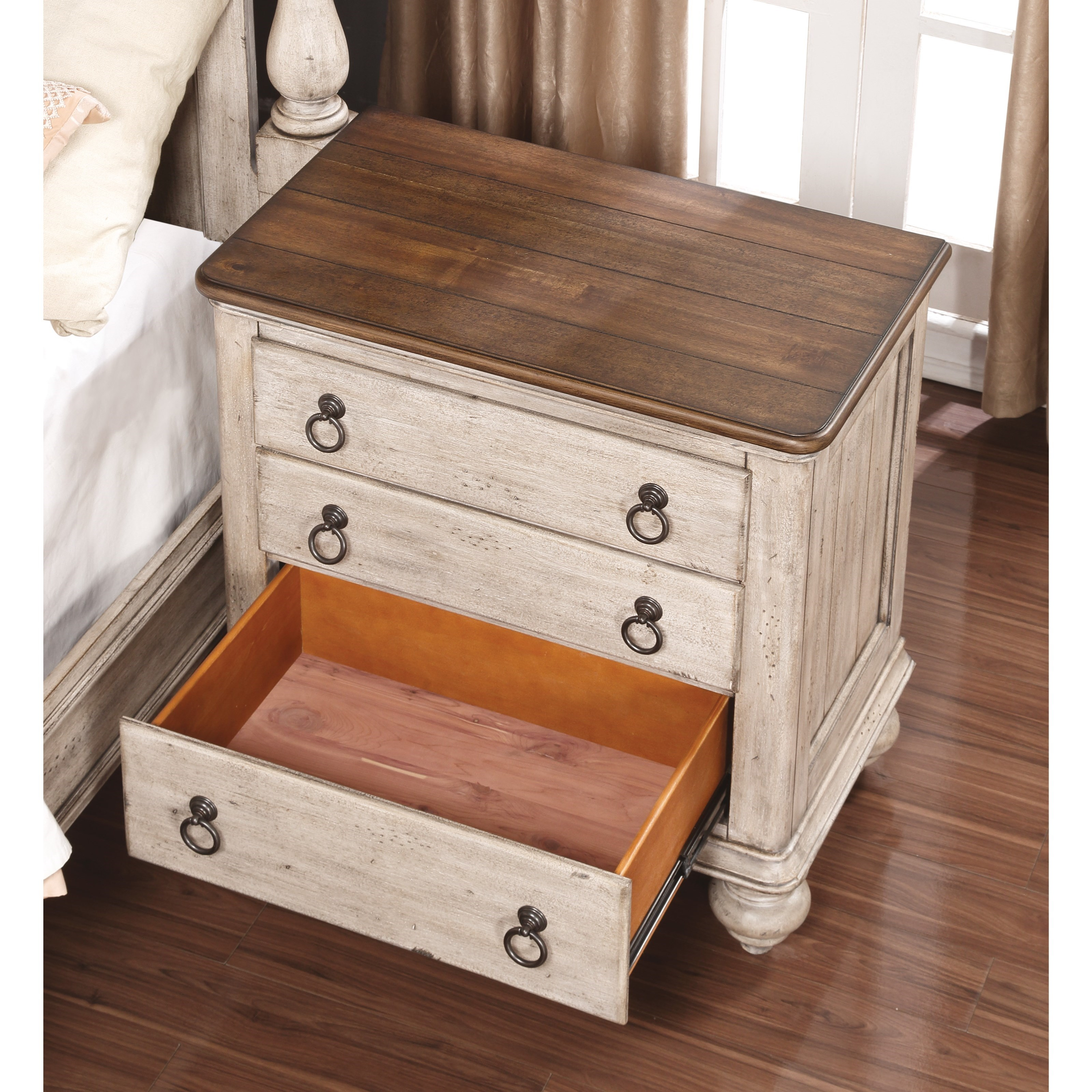 Flexsteel Wynwood Collection Plymouth Cottage Night Stand