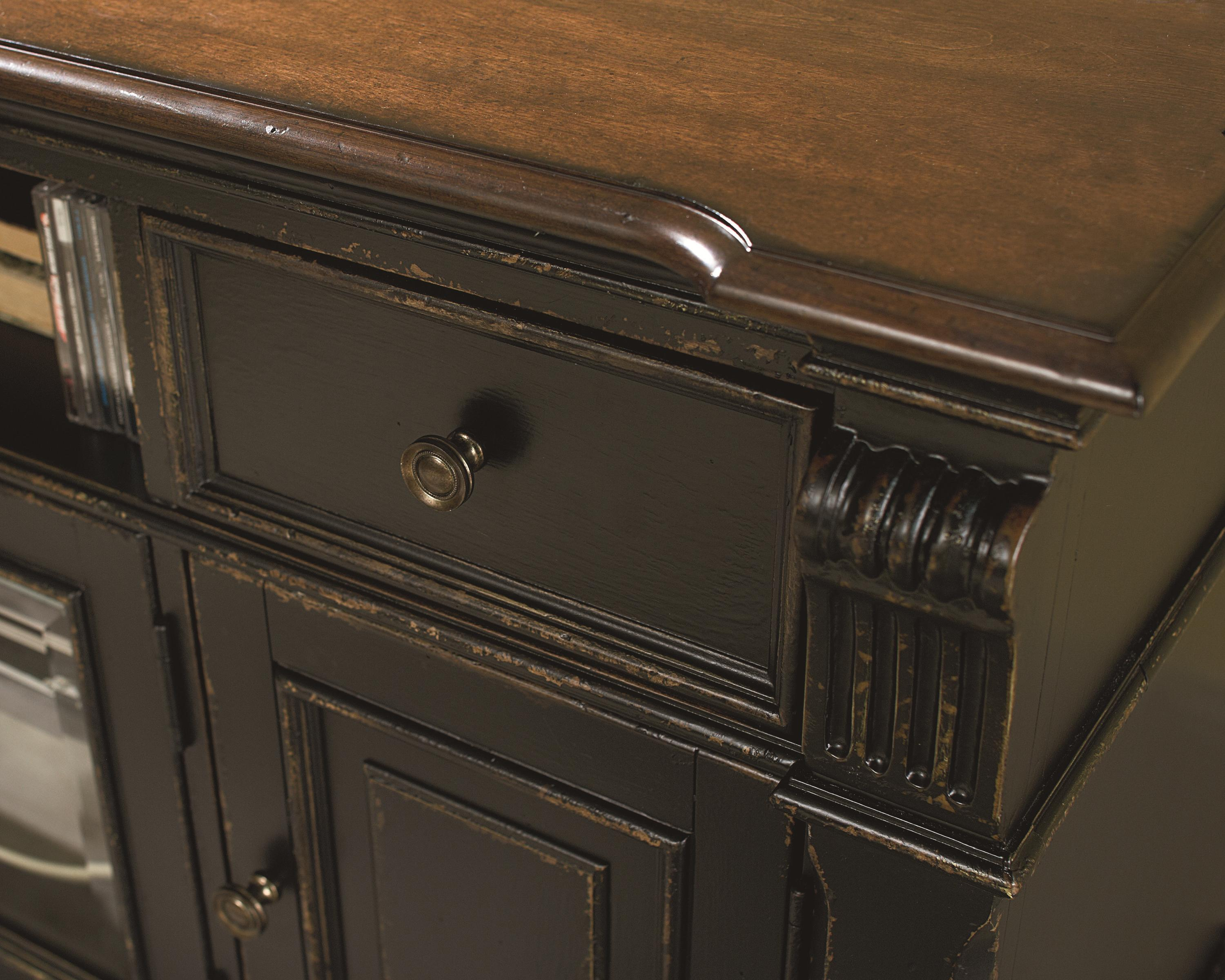 Hammary Dorset Entertainment Console With 2 Glass Doors