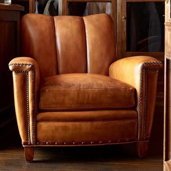 Amazing Hancock Moore Tulip Club Sofa Stuckey Furniture Creativecarmelina Interior Chair Design Creativecarmelinacom