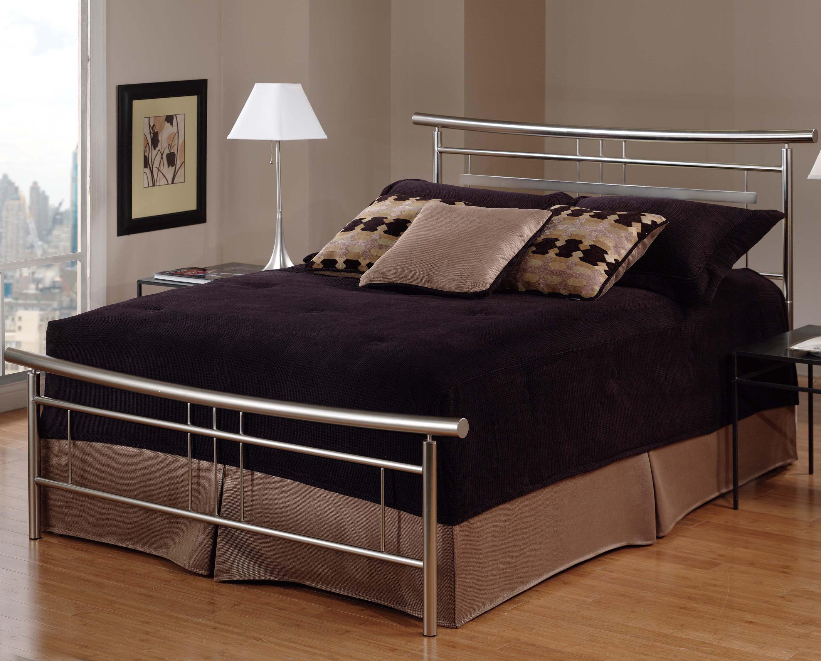 Hillsdale Metal Beds Queen Soho Bed - Item Number: 1331BQR