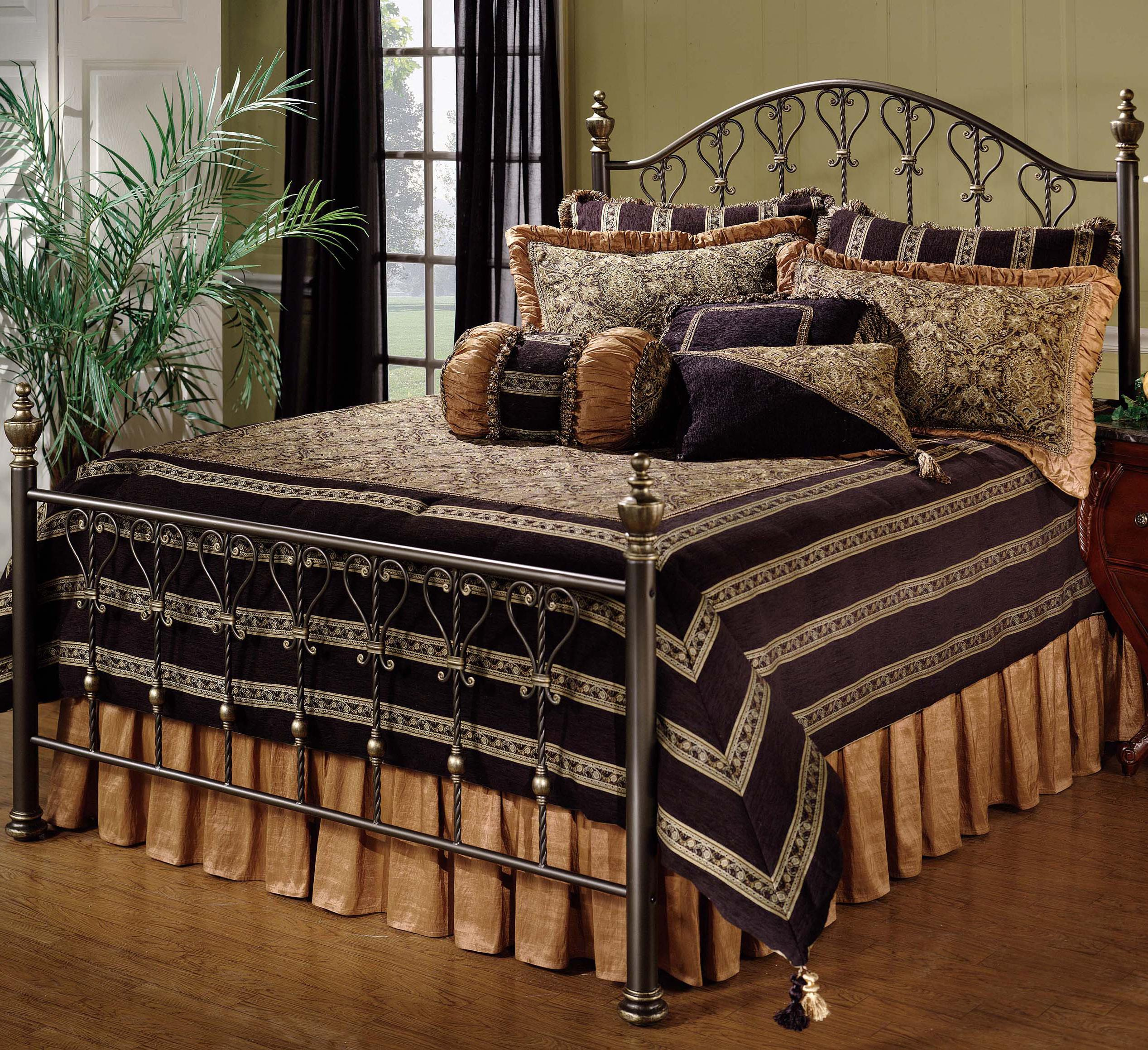 Hillsdale Metal Beds Queen Huntley Bed - Item Number: 1332BQR