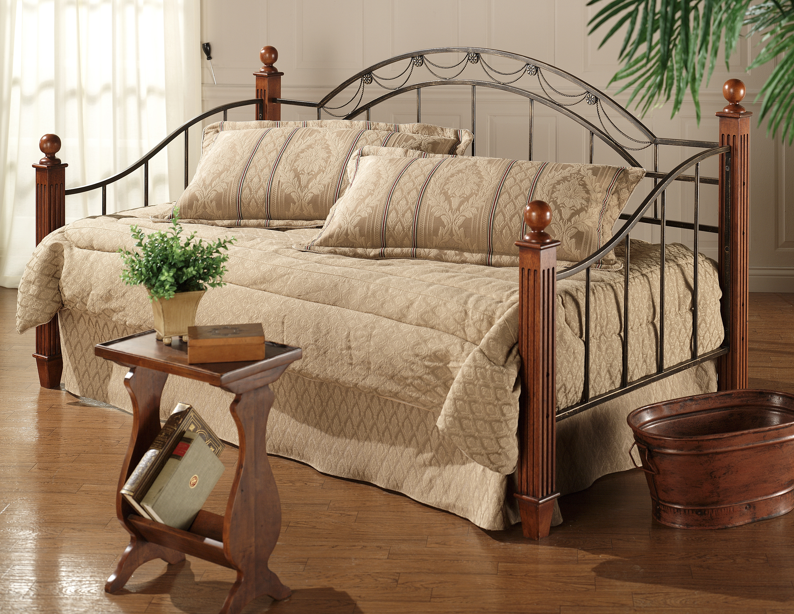 Hillsdale Daybeds Daybed with Suspension Deck and Trundle - Item Number: 171DBWDLHTR