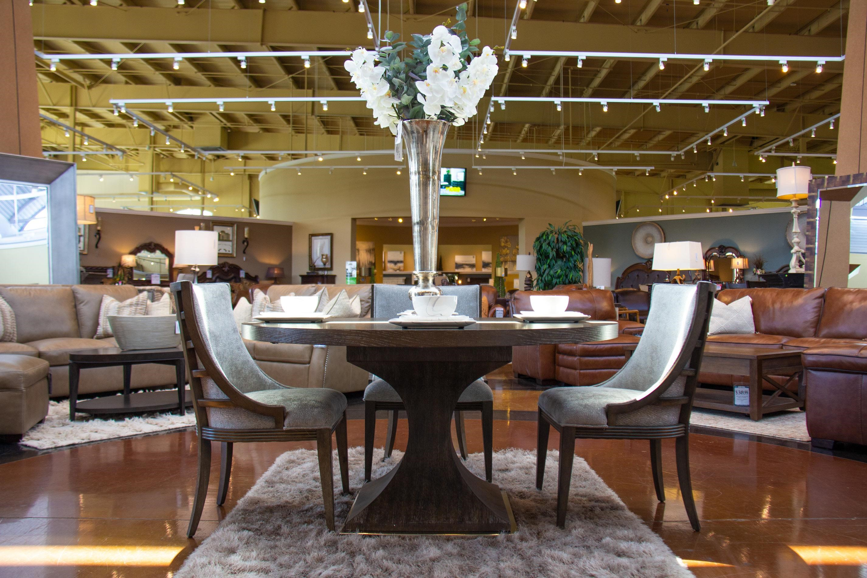 Pedestal Dining Table & 4 Upholstered Dining