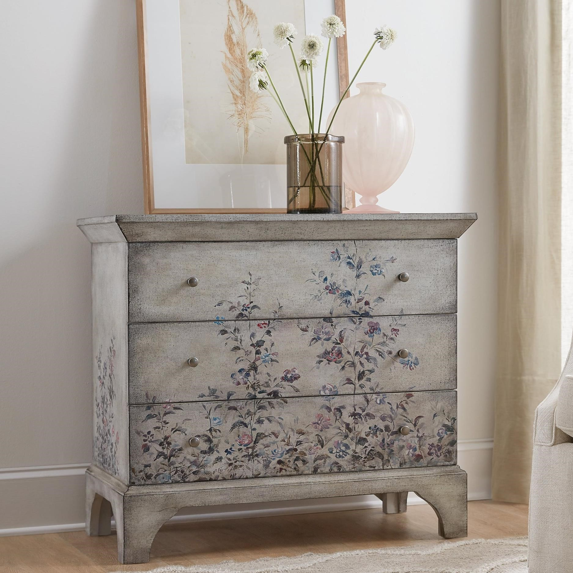 Living Room Accent Furniture: Hooker Furniture Living Room Accents 500-50-997-00