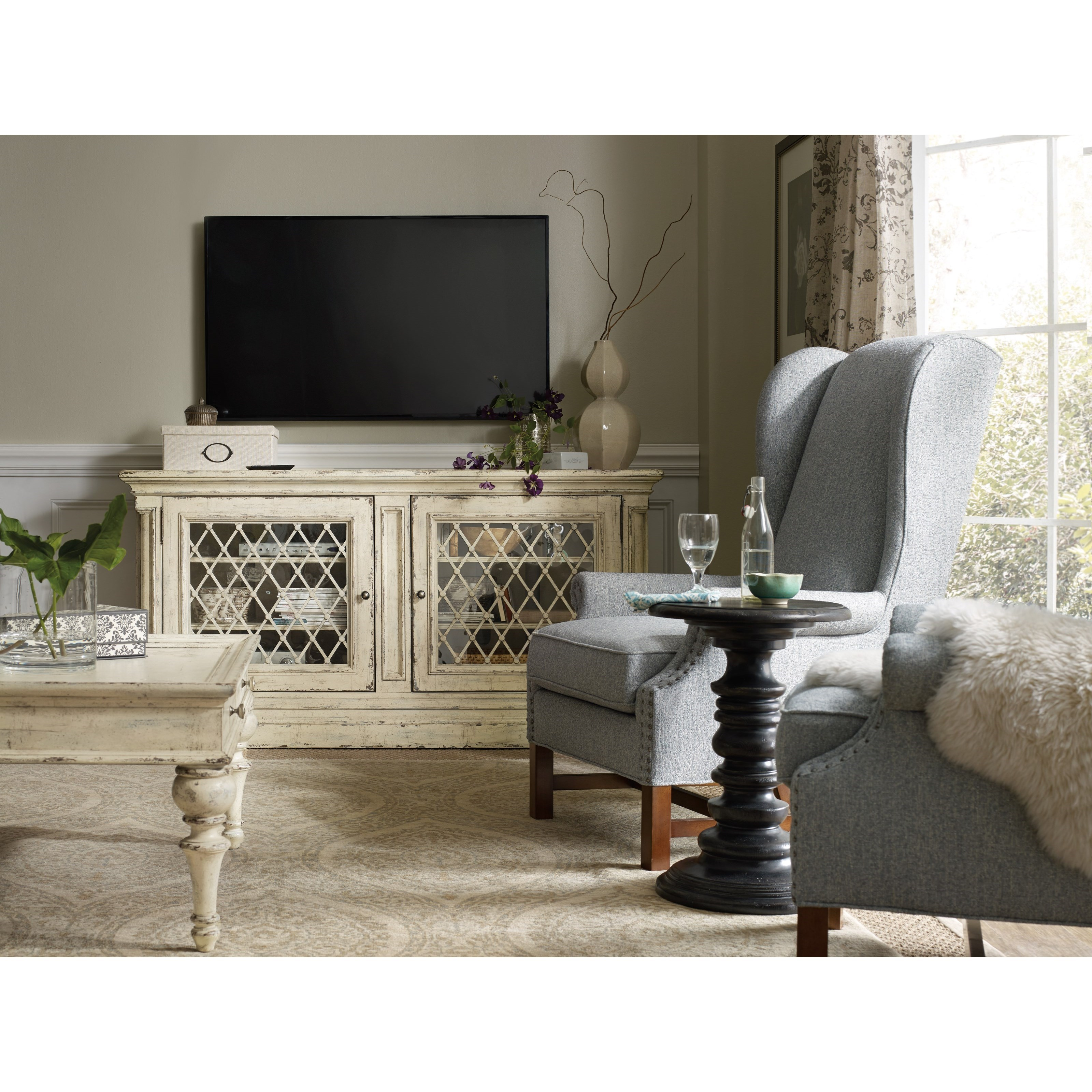 Hooker Furniture Auberose 72in Entertainment Console With Built In Outlet Belfort Furniture