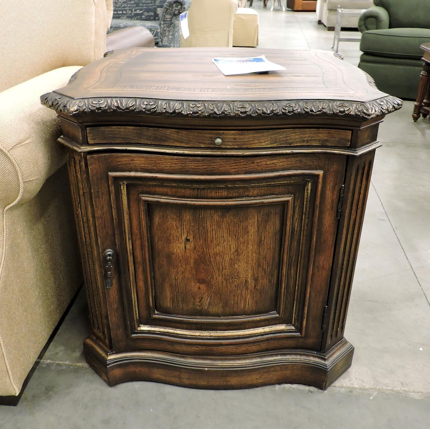 Hooker Furniture Clearance Lamp Table - Item Number: 509180115