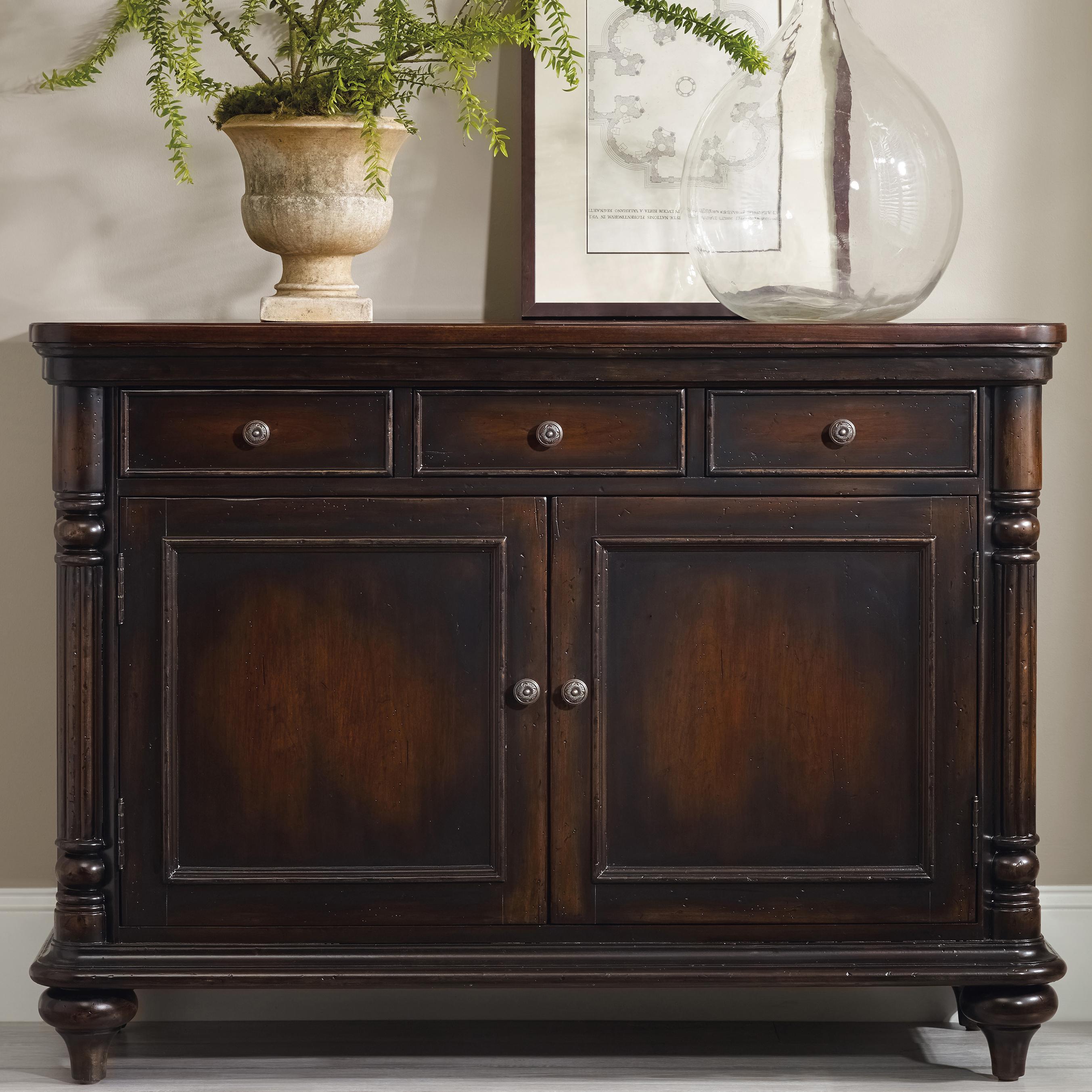 Hooker Furniture Eastridge Buffet - Item Number: 5177-75902
