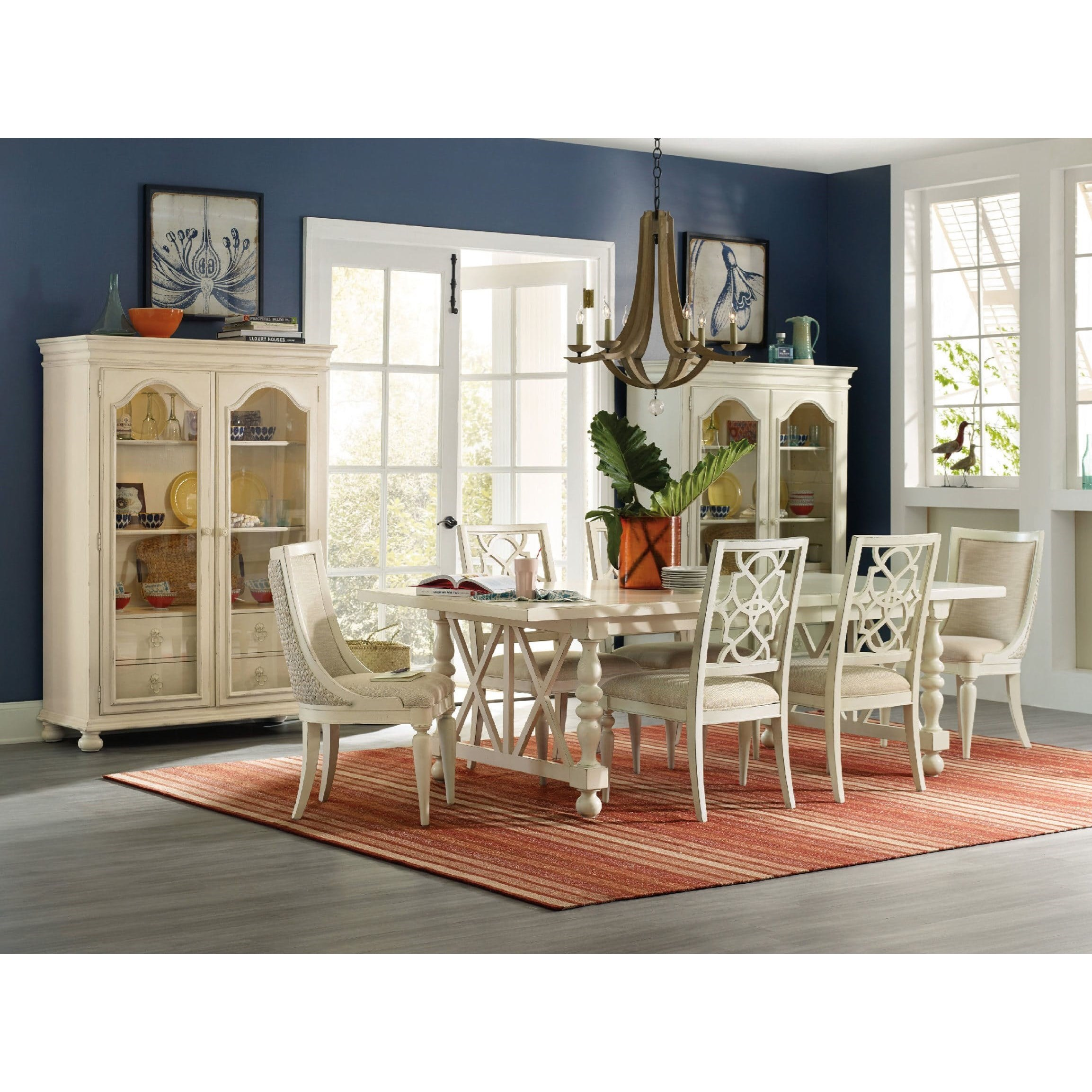Hooker Furniture Sandcastle Dining Room Group - Item Number: 5900 Dining Room Group 1