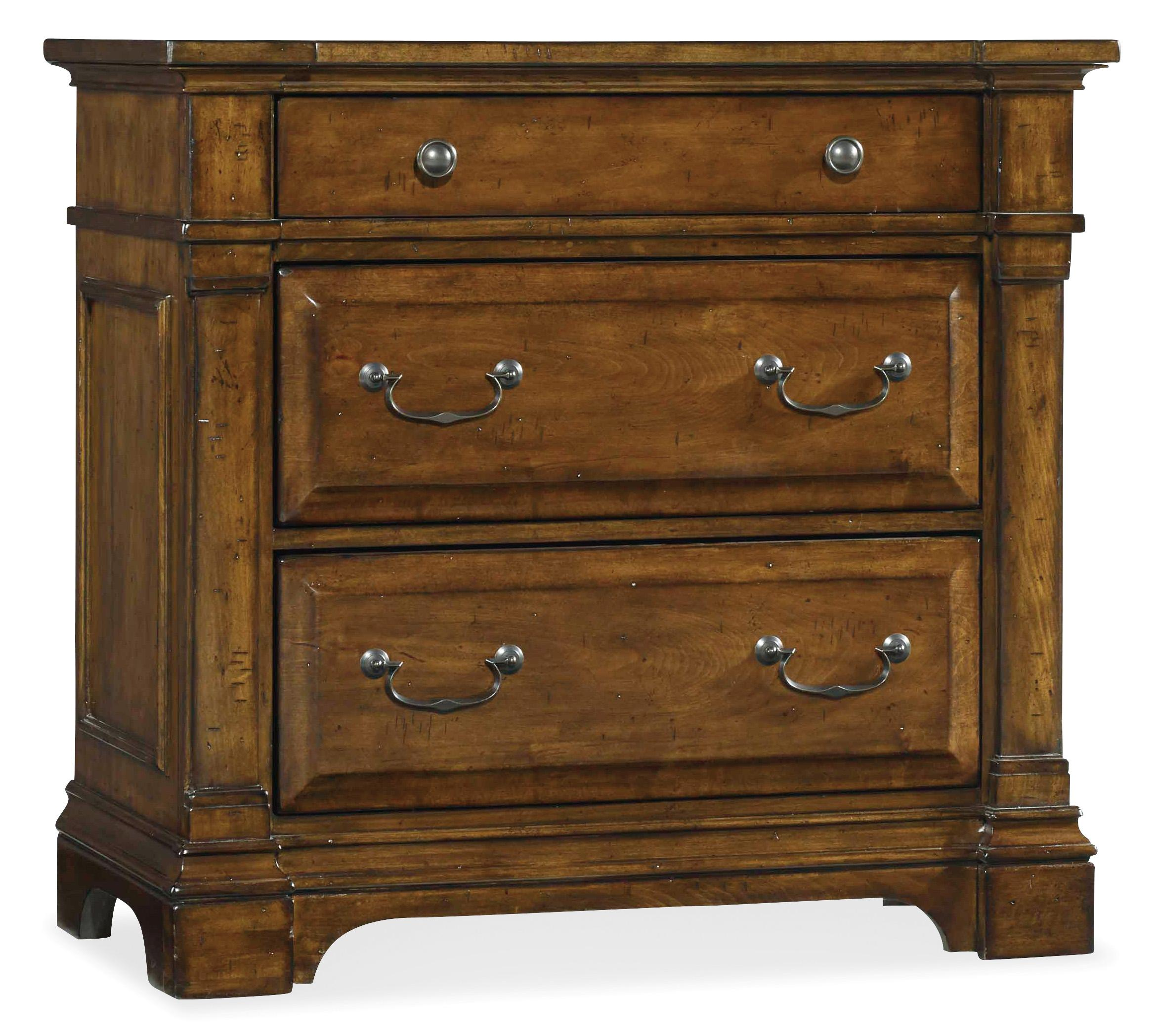 Hooker Furniture Tynecastle Bachelors Chest - Item Number: 5323-90017