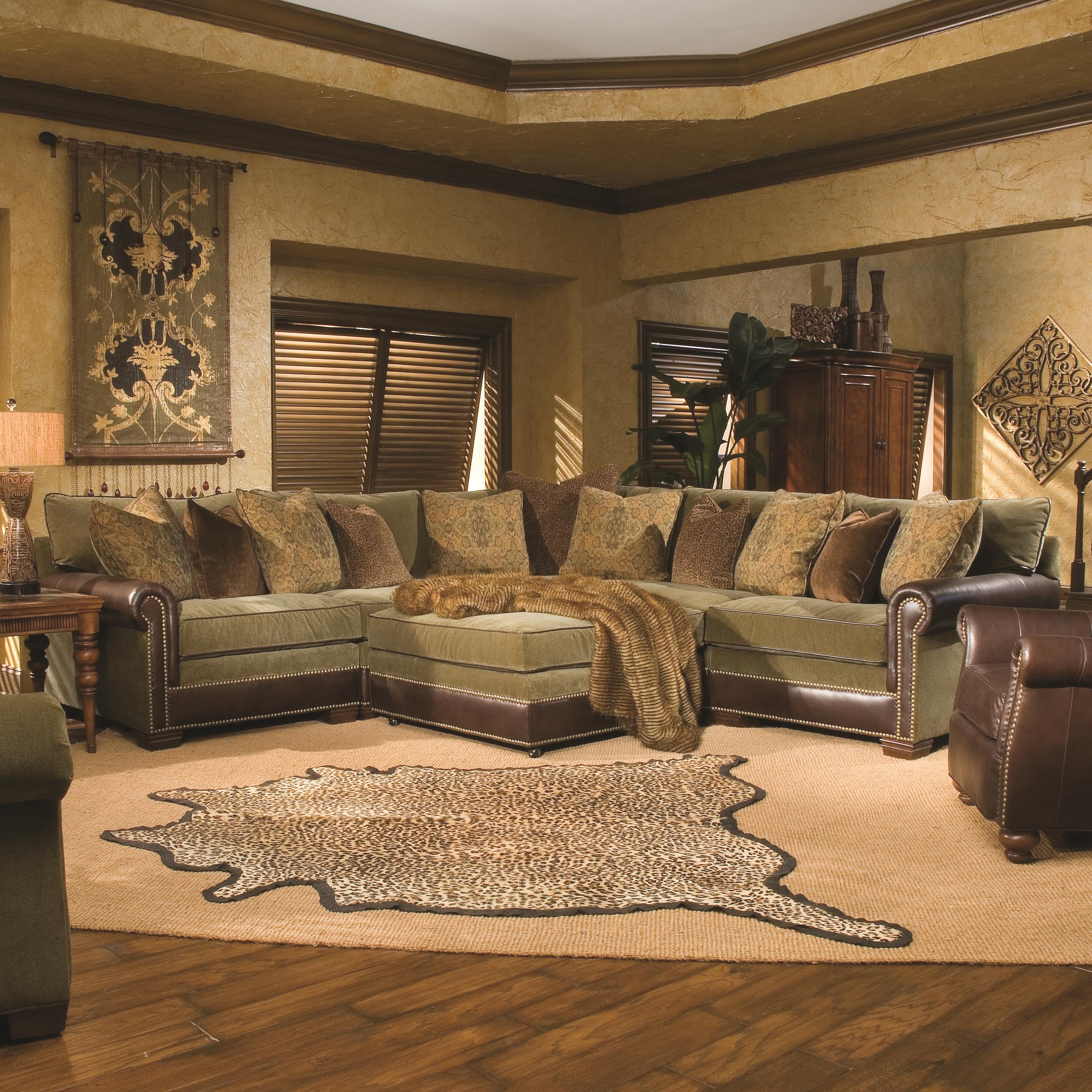 Huntington House 7107 Traditional Sectional Sofa With