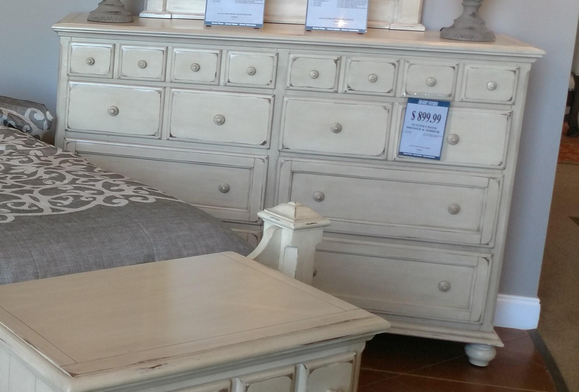 Jacob Edwards Designs Sutter Creek Drawer Dresser - Item Number: 8900