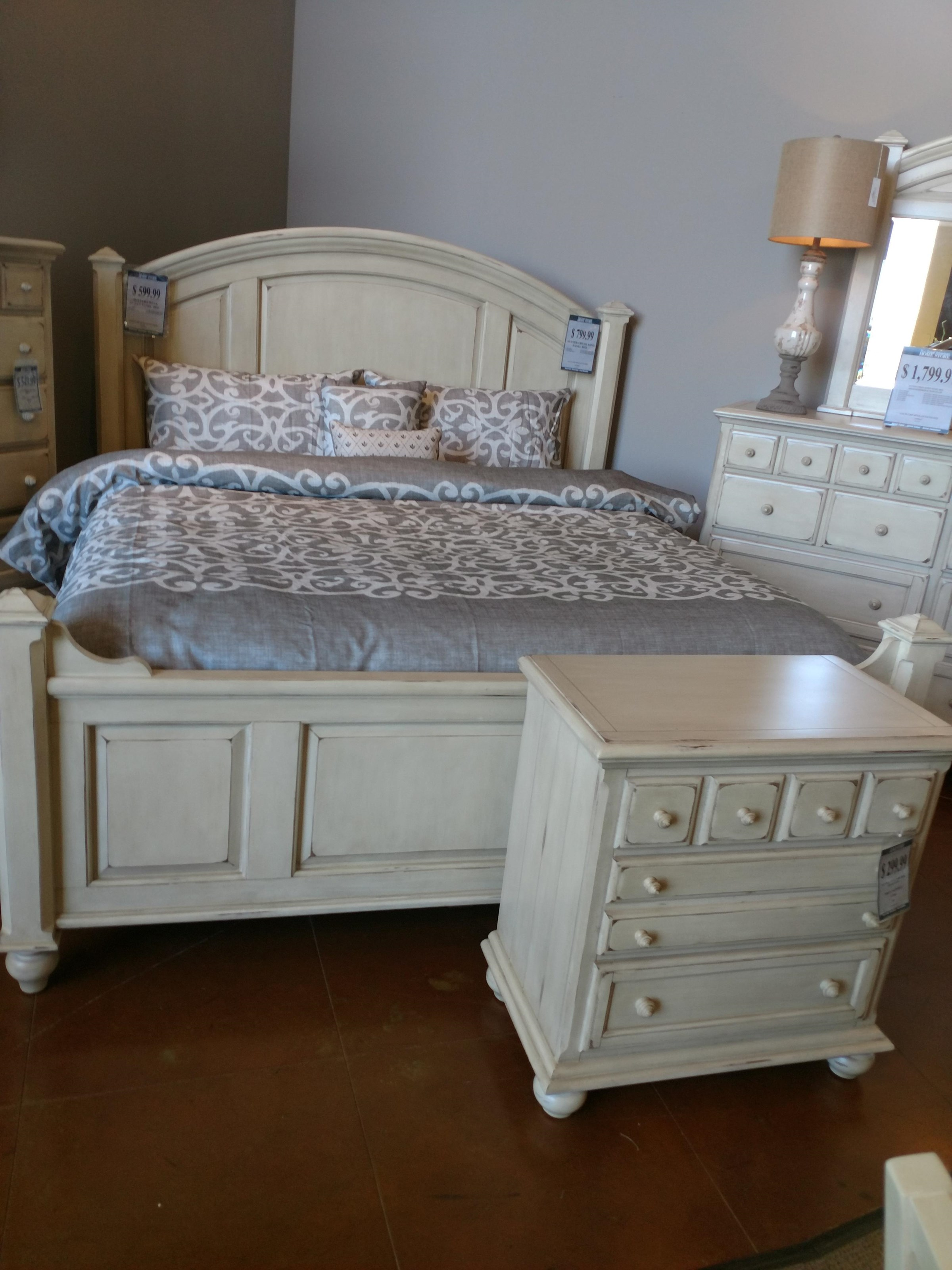 Jacob Edwards Designs Sutter Creek King Panel Bed - Item Number: GRP-89XX-KINGBED