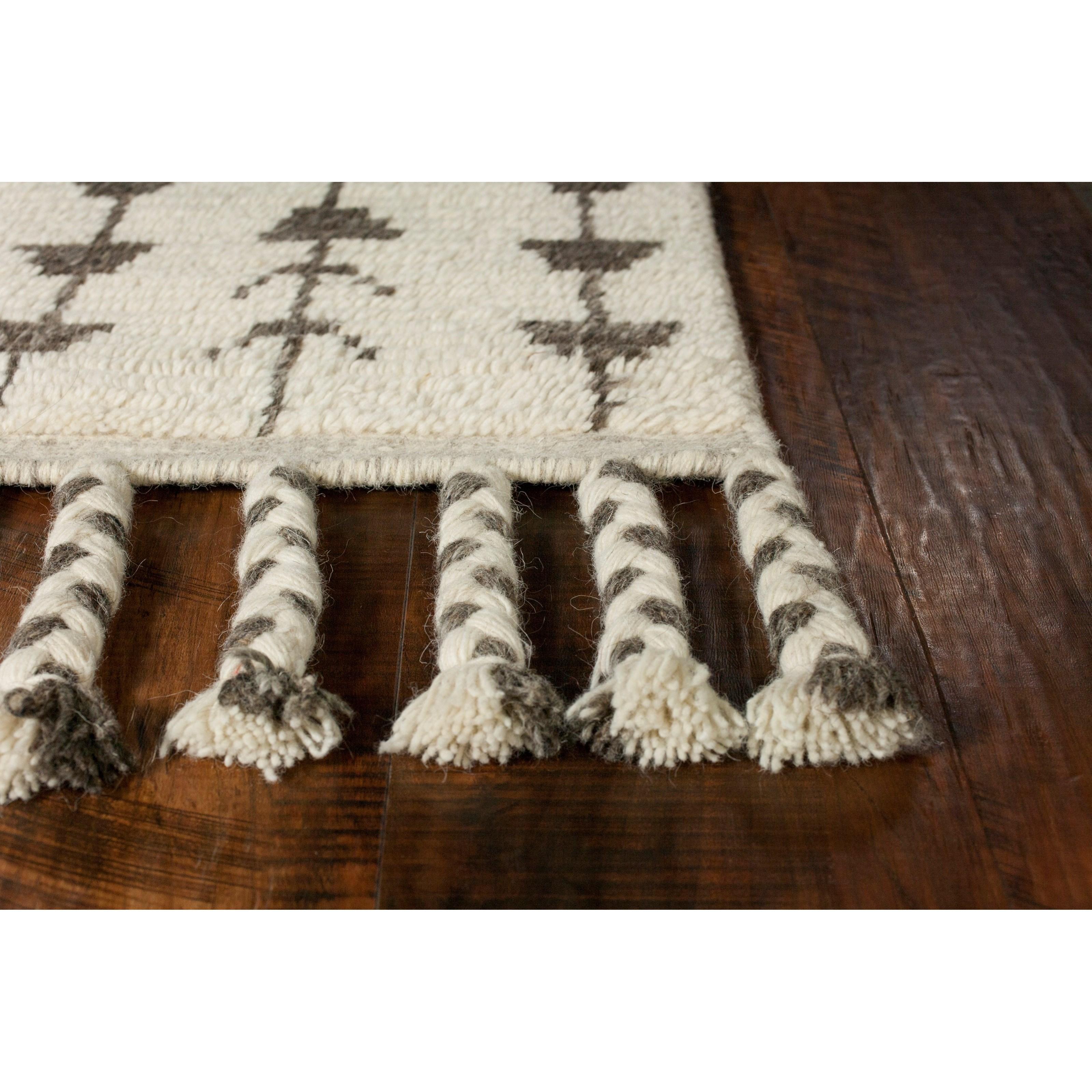 9' x 13' Ivory Santa Fe Rug