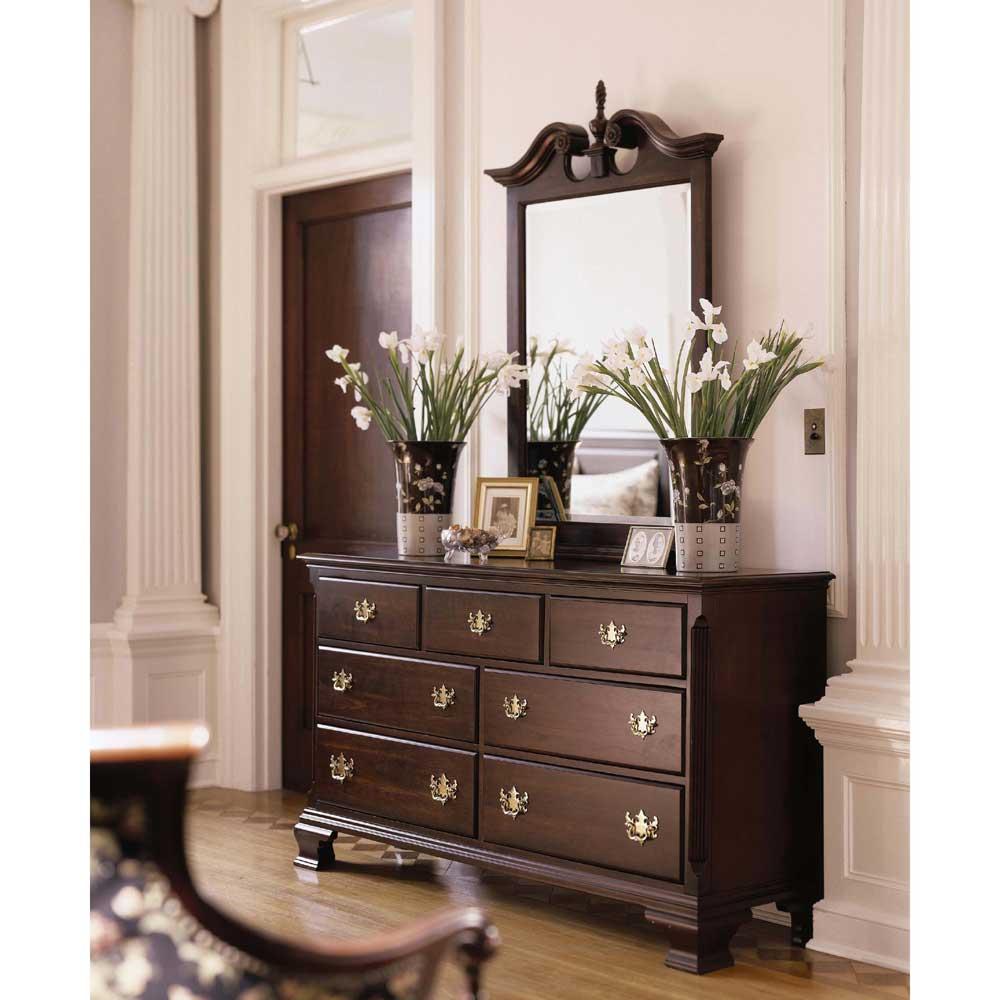 Carriage House Double Dresser U0026 Vertical Broken Pediment Mirror By Kincaid  Furniture