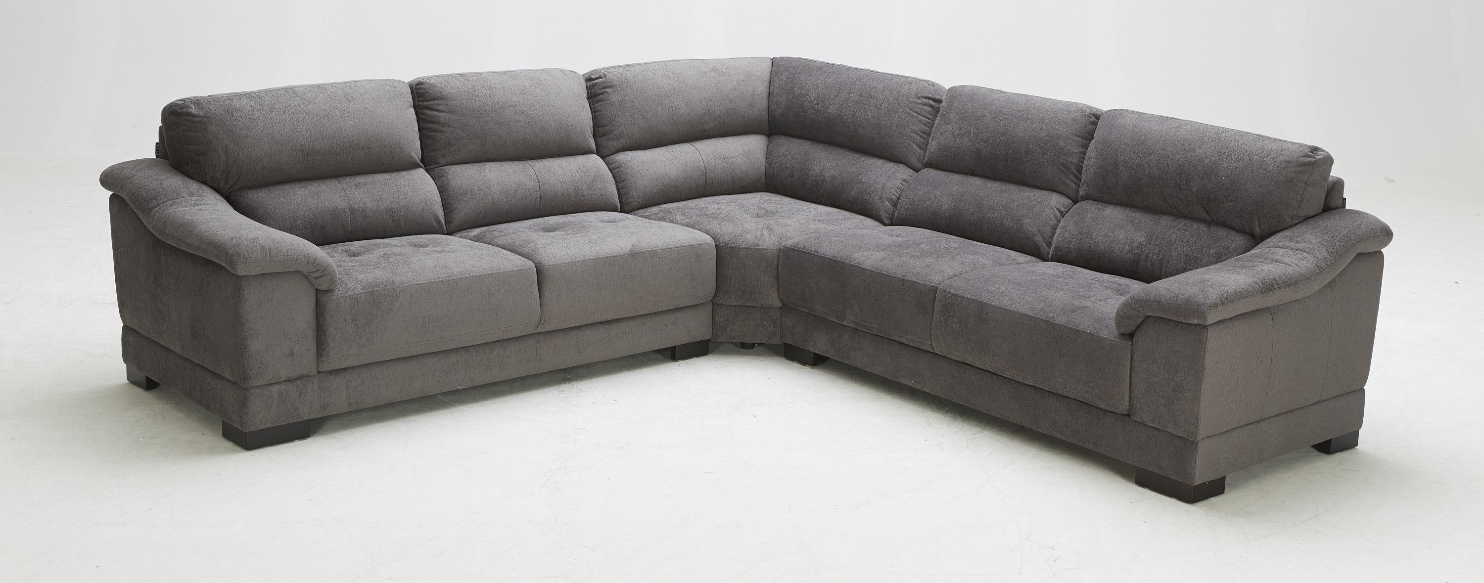 1821 Transitional Sectional Sofa at Becker Furniture