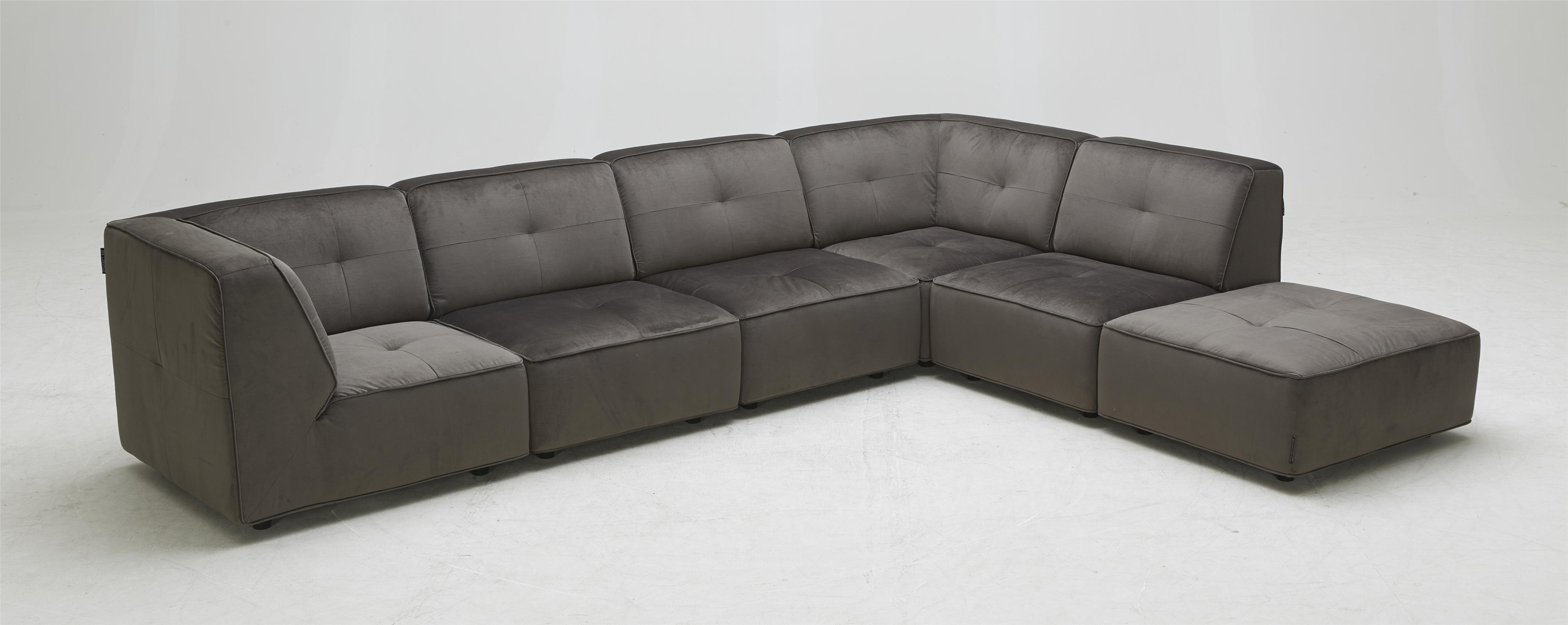 3179 Contemporary Sectional Sofa at Becker Furniture