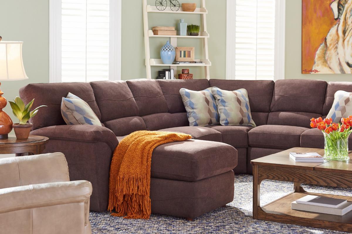 La z boy reese six piece power reclining sectional sofa w for Lay z boy living room set