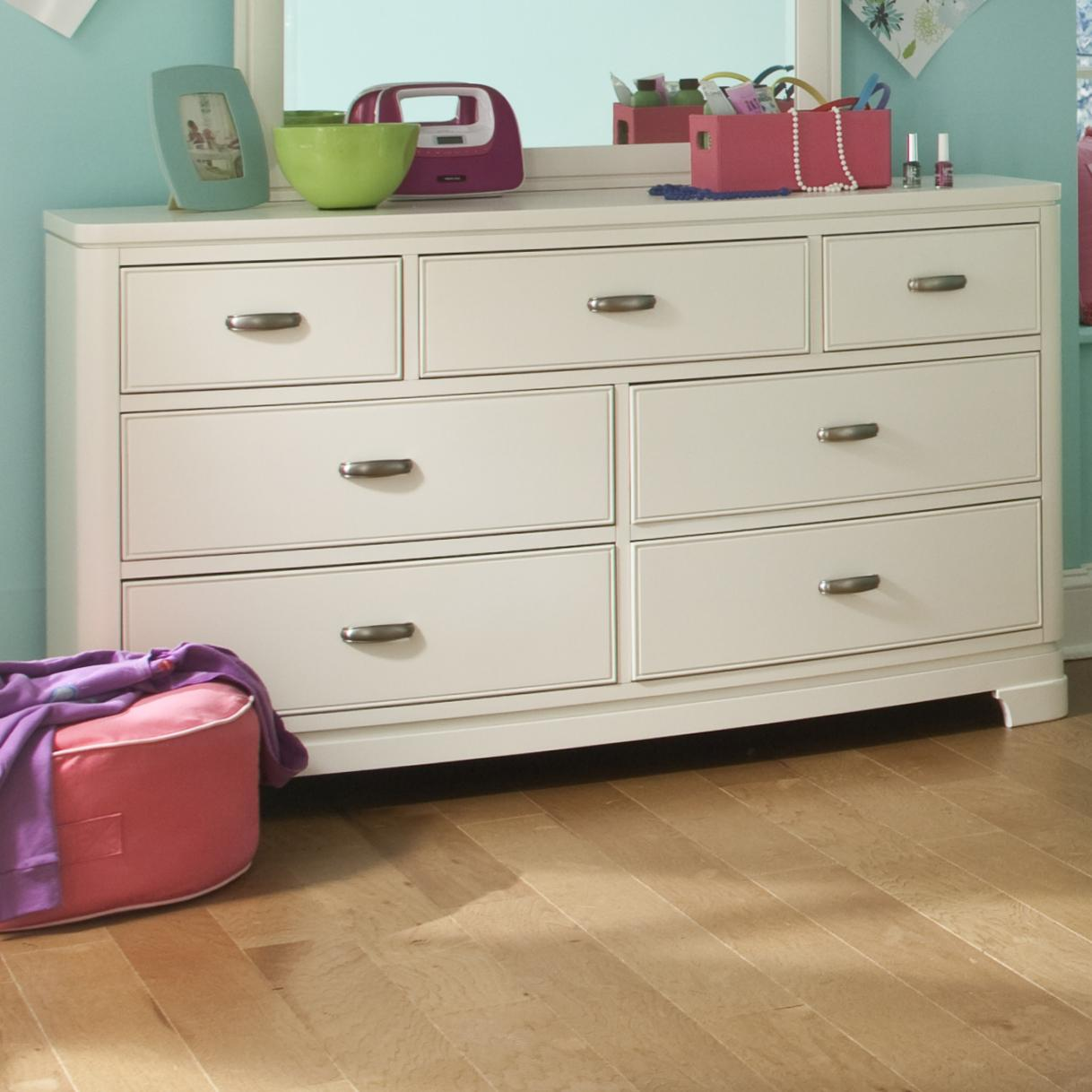 Legacy Classic Kids Park City White Dresser (7 Drawers) - Item Number: 9910-1100