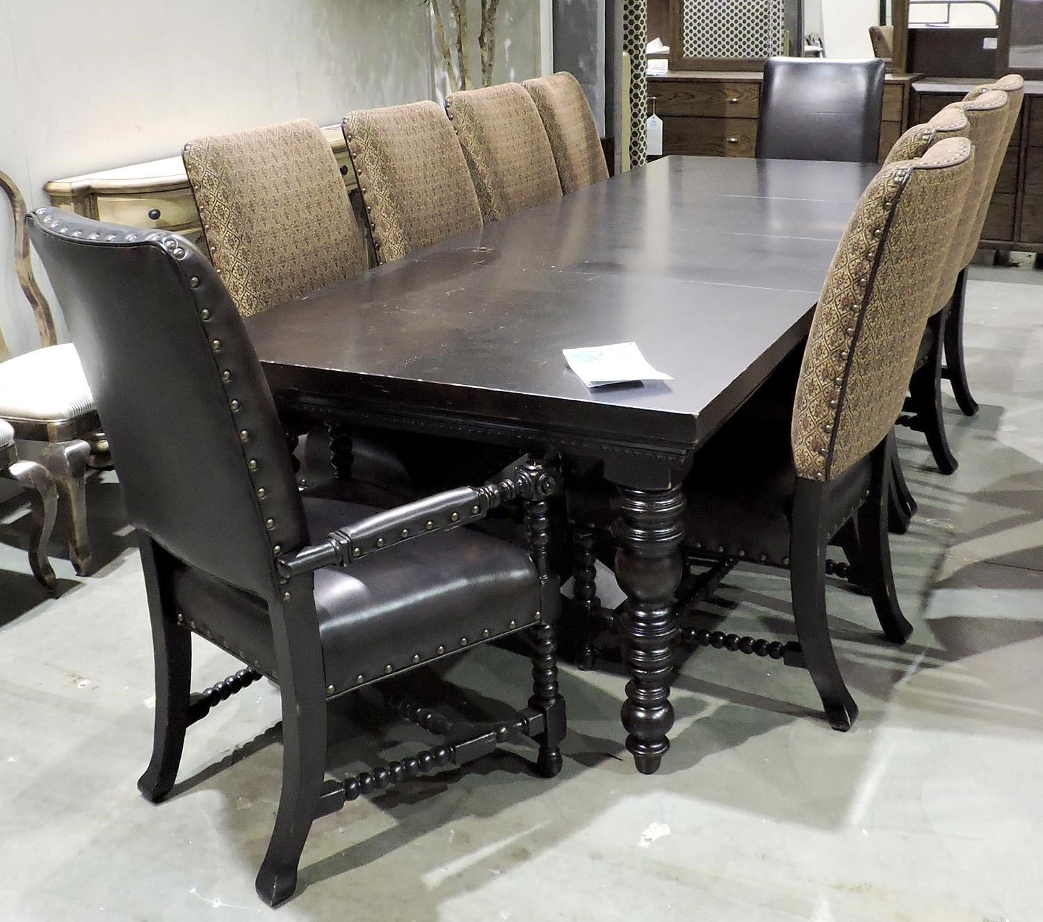 Lexington Clearance Dining Table and Chairs - Item Number: 010619877