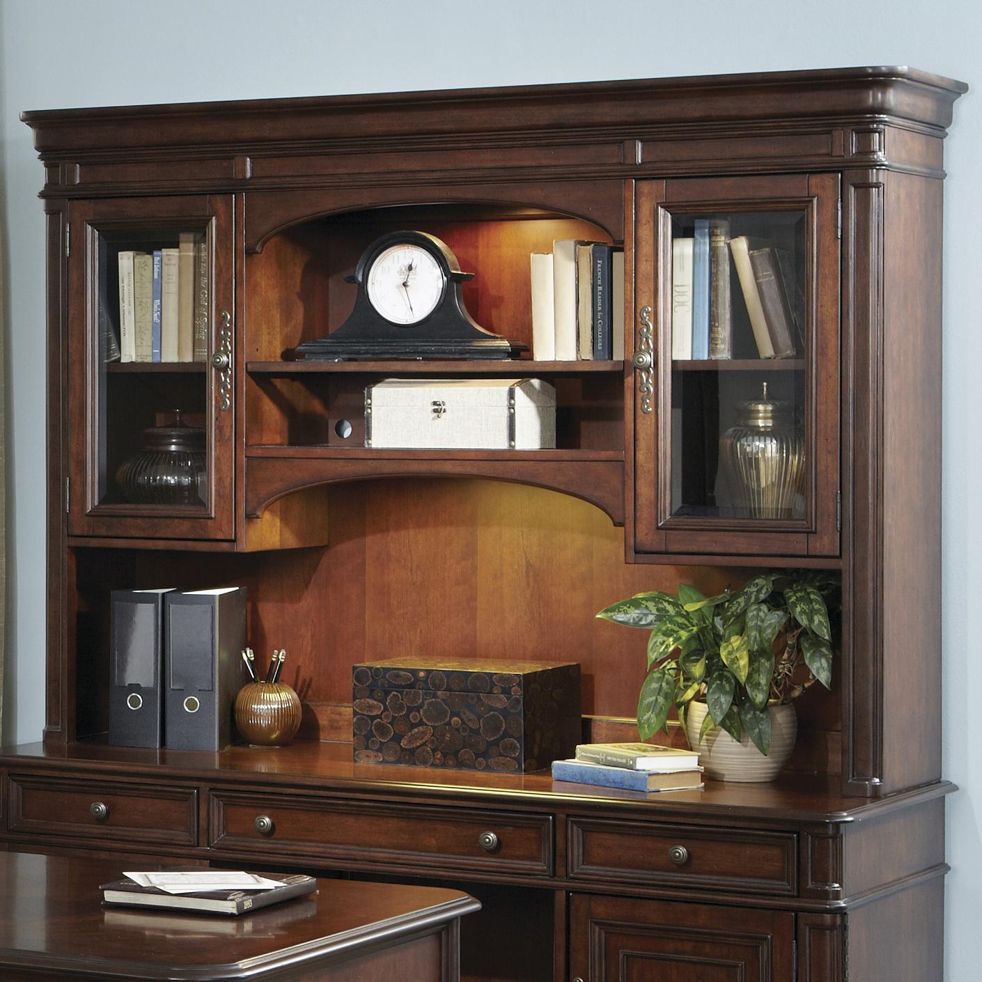 Brayton Manor Jr Executive Traditional Credenza Hutch With