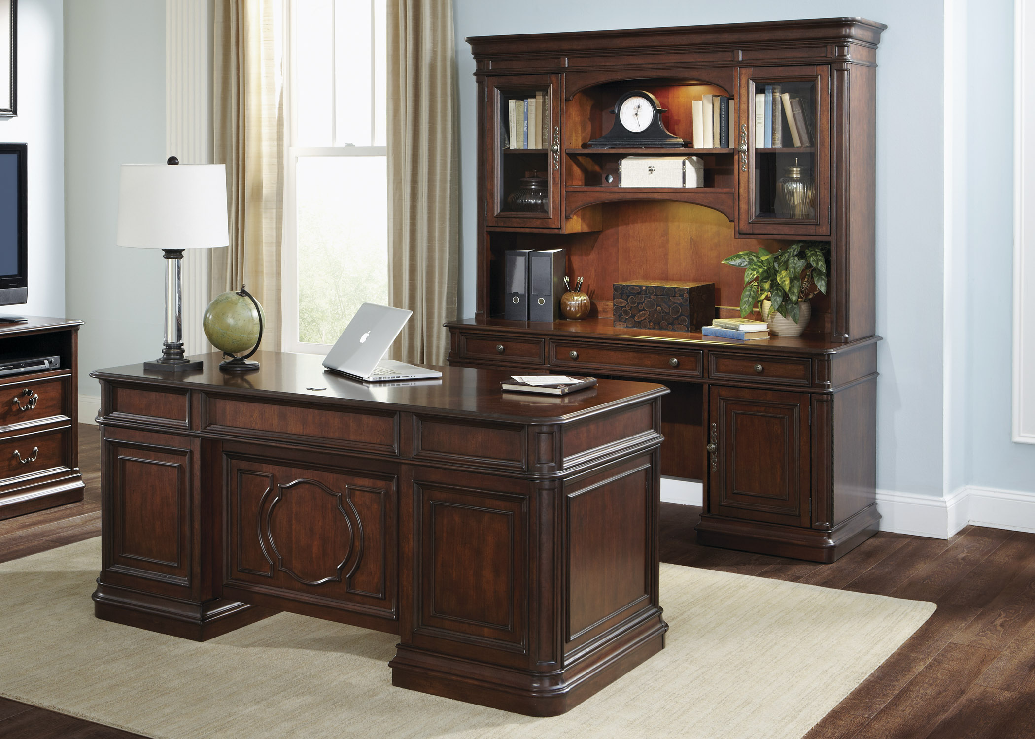 Liberty Furniture Brayton Manor Jr Executive Jr Executive Set  - Item Number: 273-HOJ-5JES