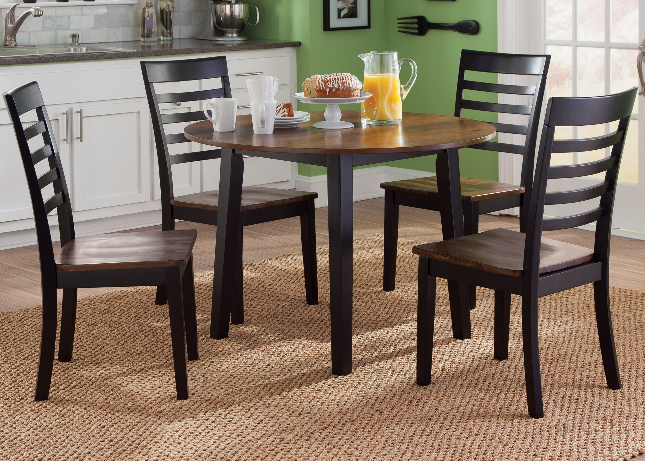 Liberty Furniture Cafe Dining 5 Piece Round Table Set - Item Number: 56-CD-5ROS