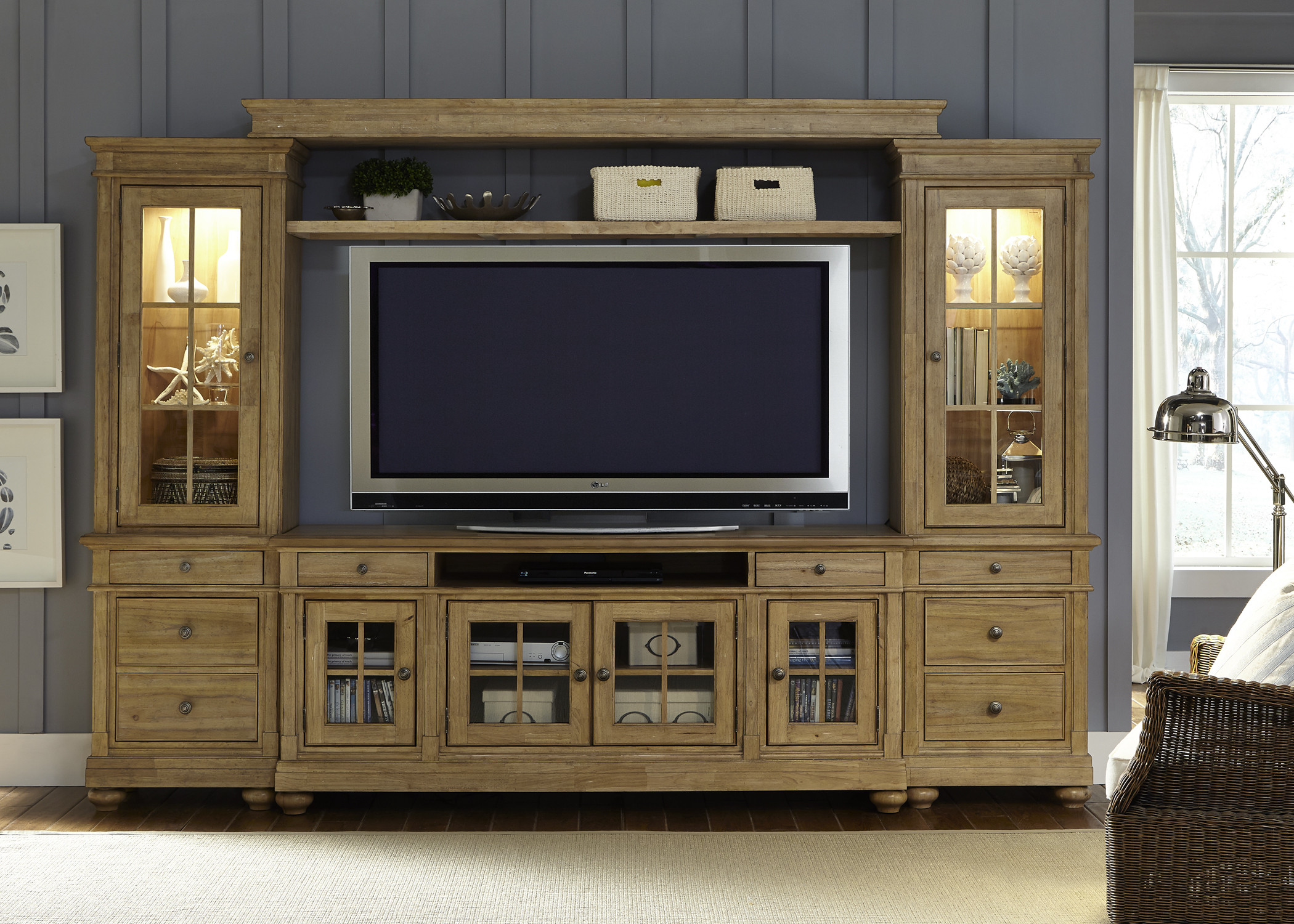 Liberty Furniture Harbor View Entertainment Center with Piers  - Item Number: 531-ENTW-ECP
