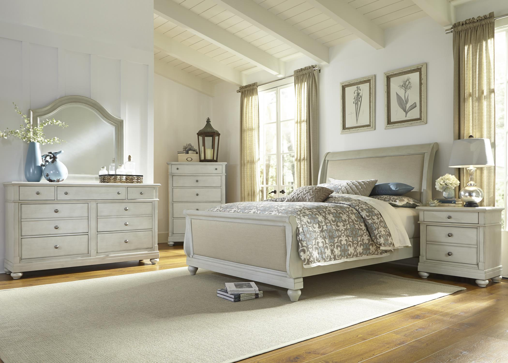 Liberty Furniture Harbor View Queen Bedroom Group - Item Number: 731-BR-QSLDMCN