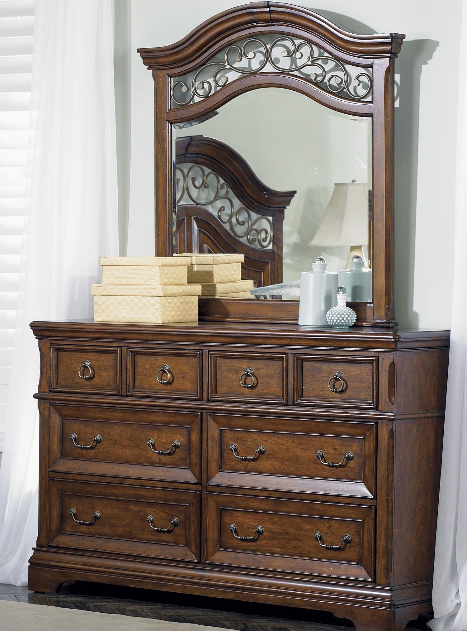 Liberty Furniture Laurelwood Dresser & Mirror - Item Number: 547-BR31+BR51