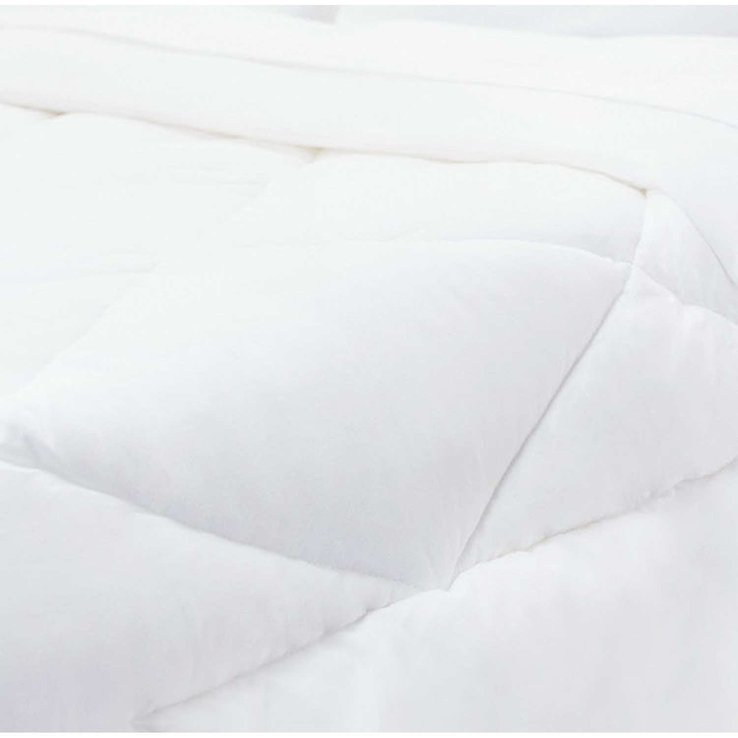 Malouf Down Alternative Queen Down Alternative Comforter  - Item Number: MA28QQDACO