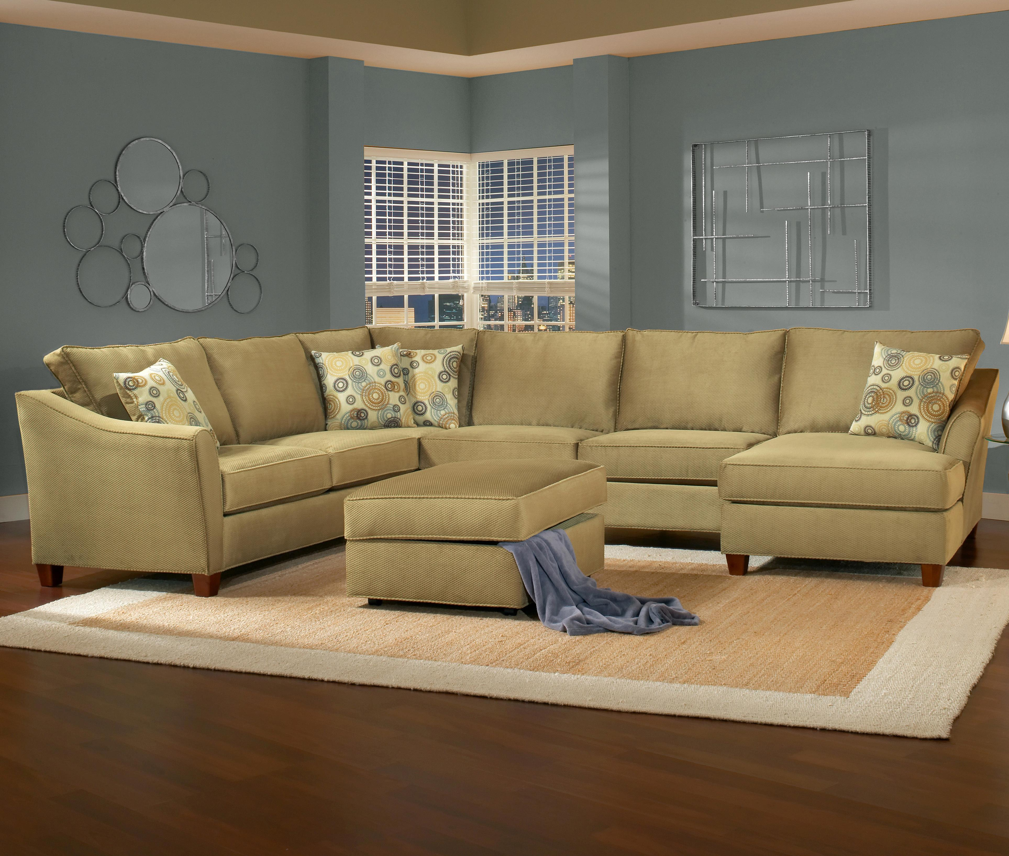 Belfort Essentials Fleetwood 6 Seat Sectional with Right Facing Chaise - Item Number: 5700-30L+10C+30A+24R