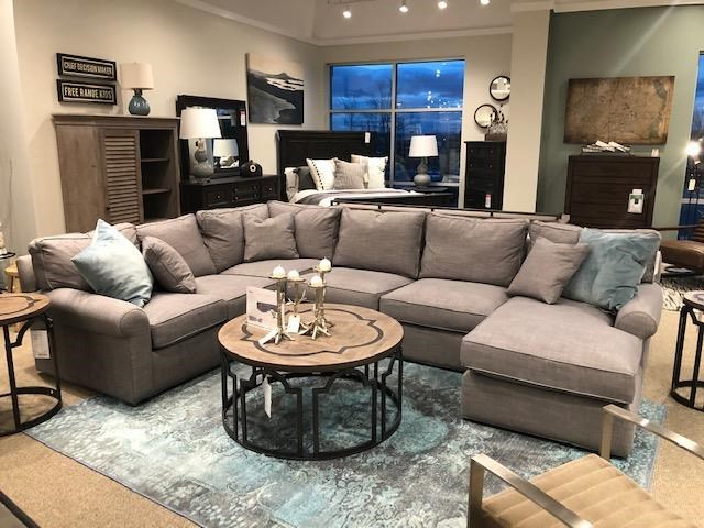 Sectional Sofa with Right-Arm-Facing Chaise