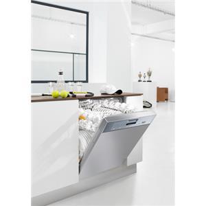 Miele Dishwashers - Miele ProfiLine PG 8080 i Dishwasher