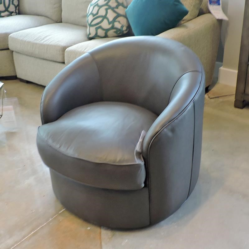 Swivel Chair in Hazel