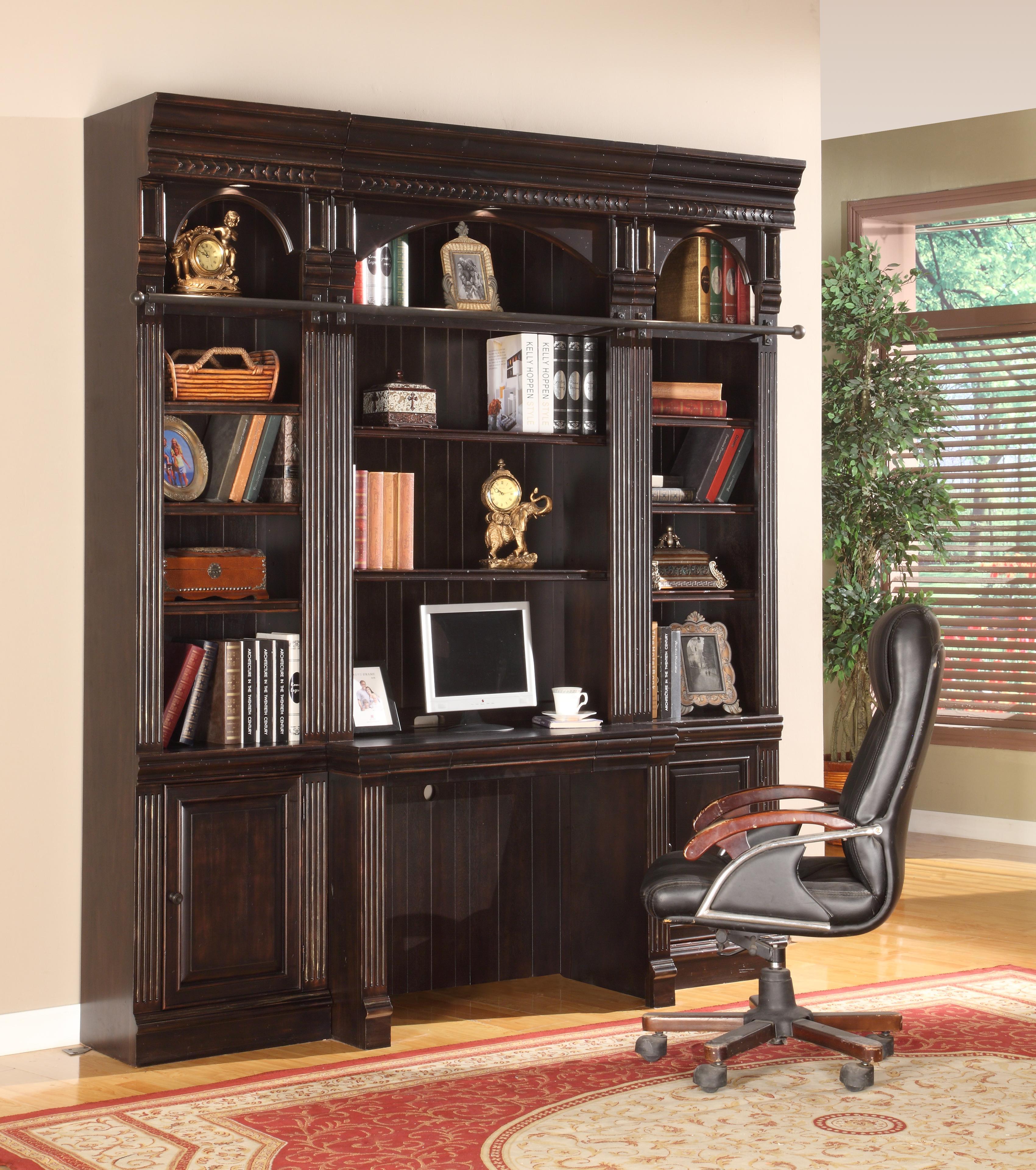 M.house - библиотека venezia со встроенным столом.