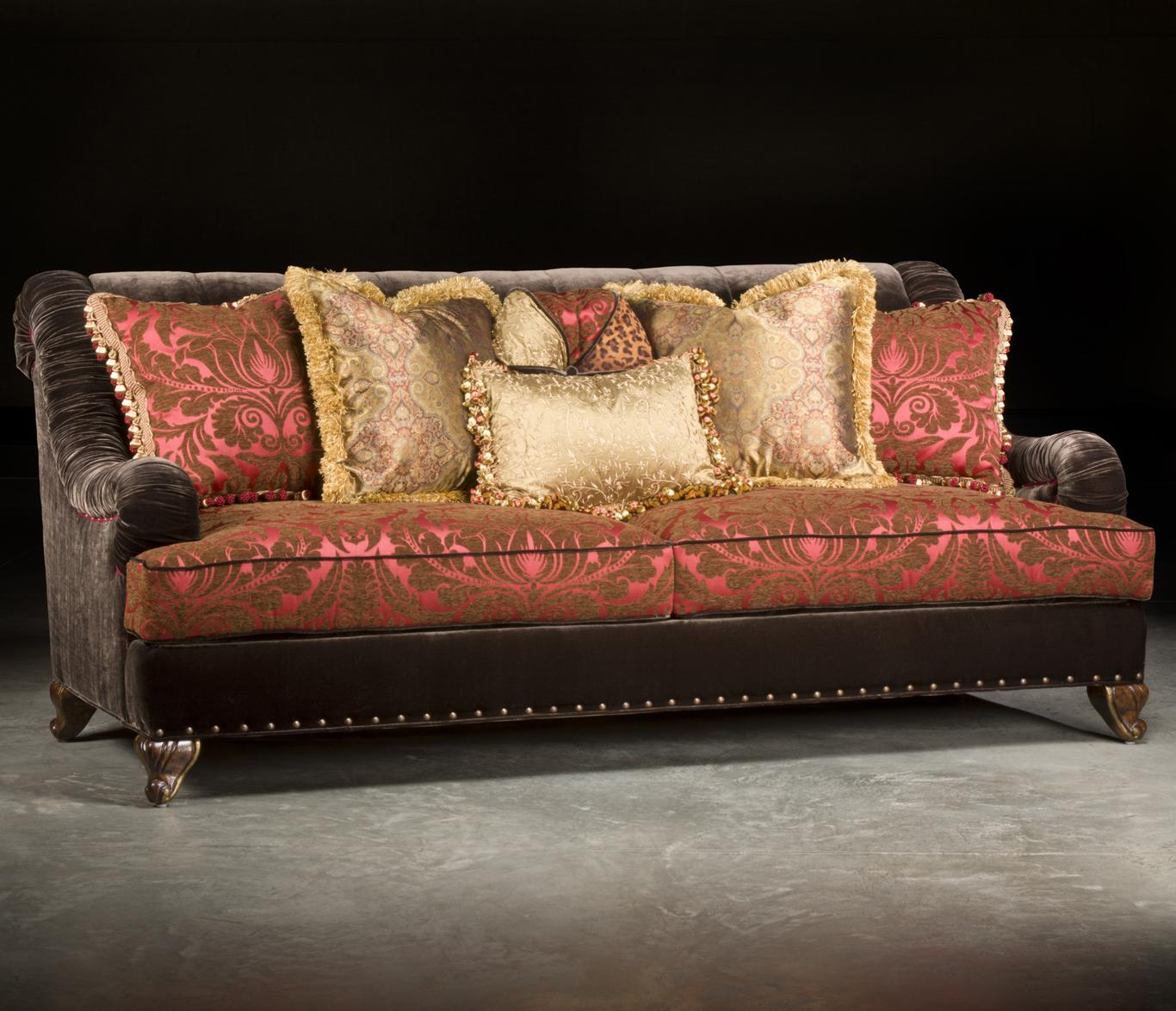 Paul Robert Valentino Traditional Sofa With Sophisticated