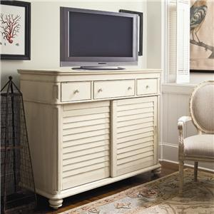 Morris Home Furnishings Pinehurst The Lady's Dresser