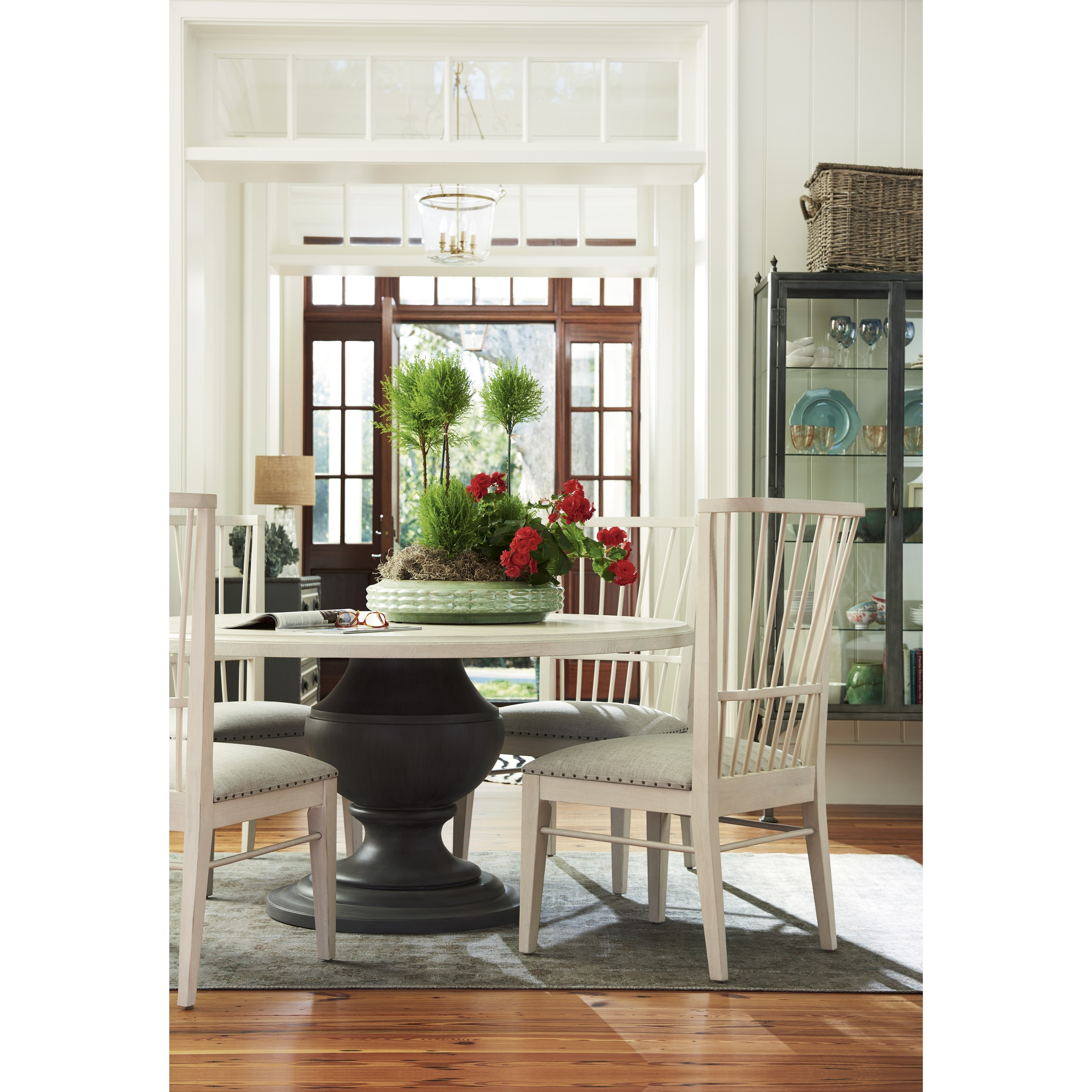 Paula Deen By Universal Bungalow 795657 Cottage Round