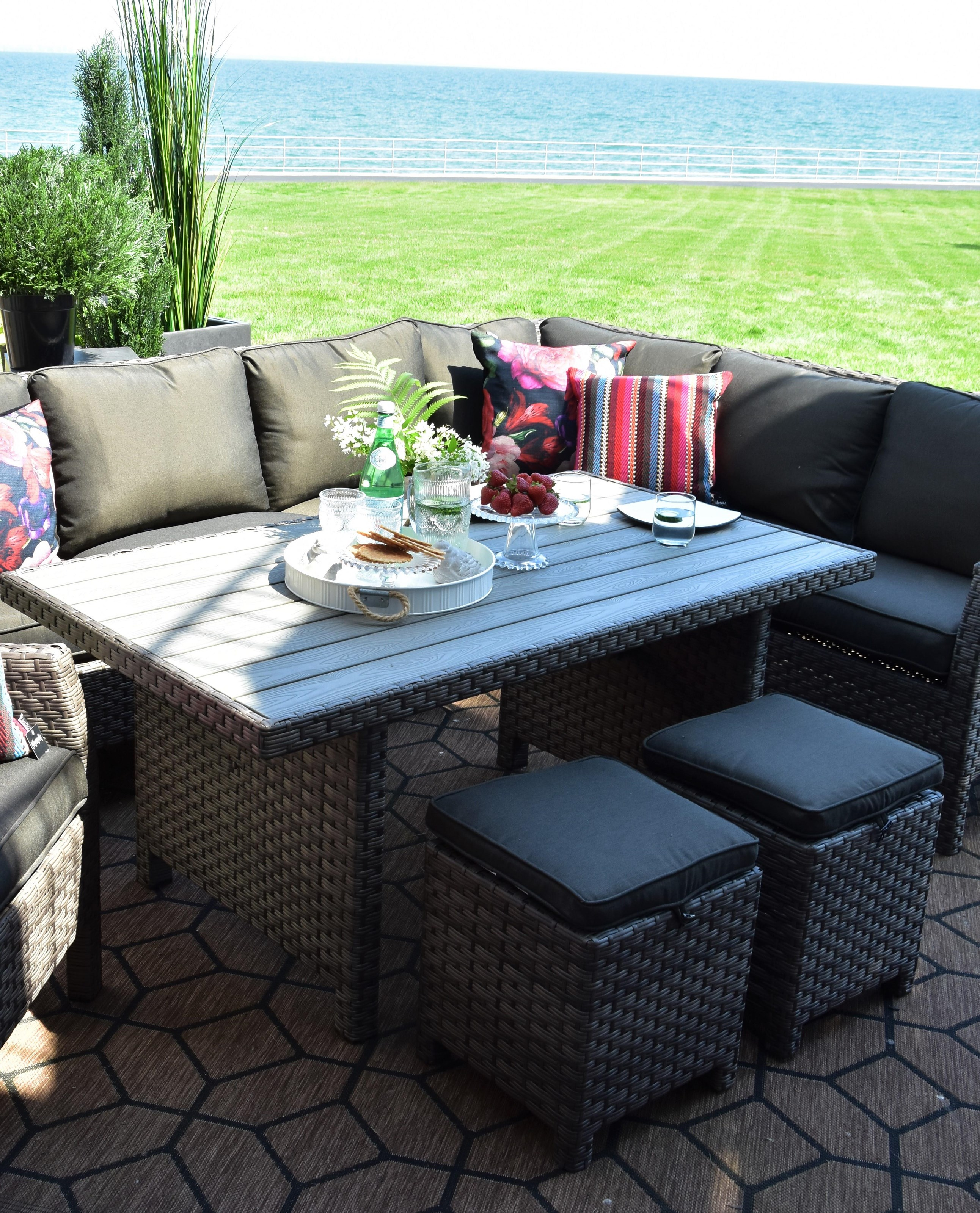 Outdoor Wicker and Aluminum Ottoman