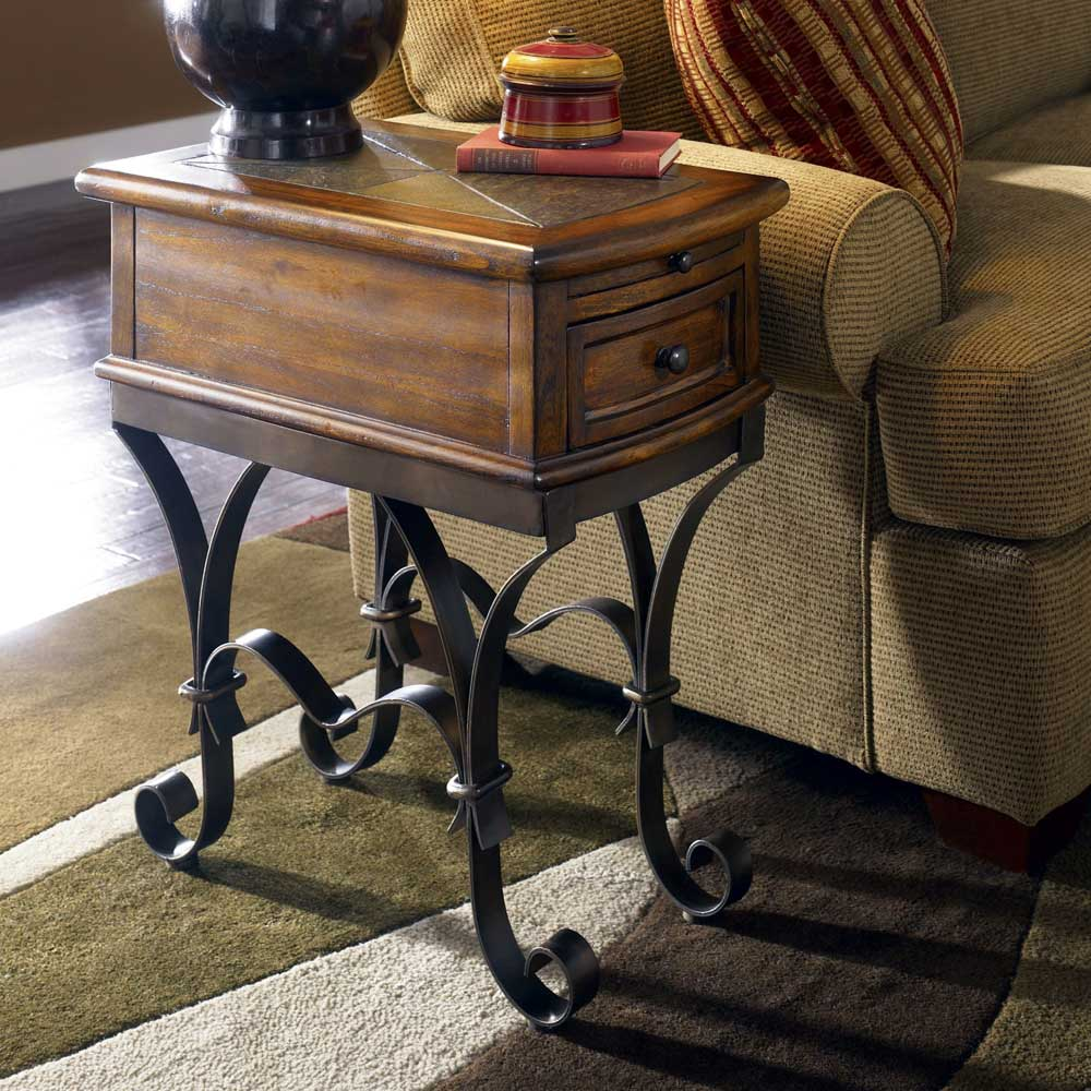 Riverside Furniture Stone Forge 31010 Chairside Table With