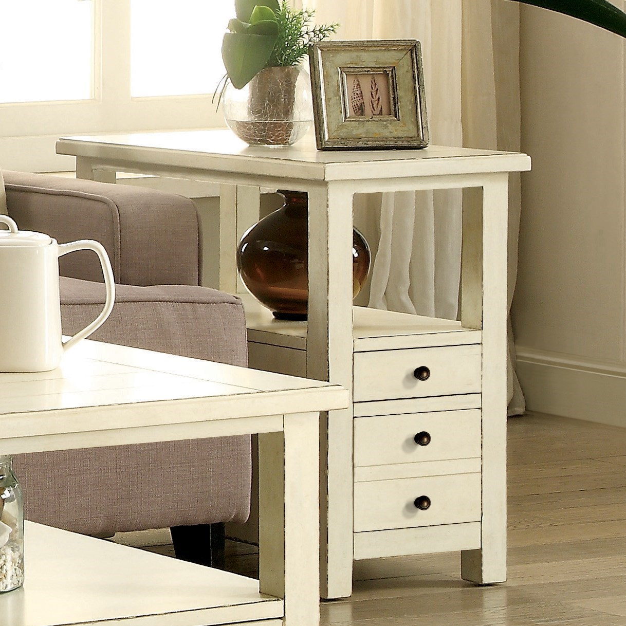 Riverside Furniture Sullivan 2 Drawer Chairside Table In