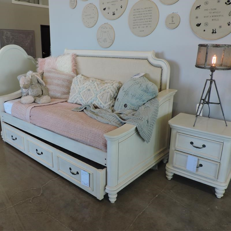 Daybed, Trundle, Dresser, and Nightstand