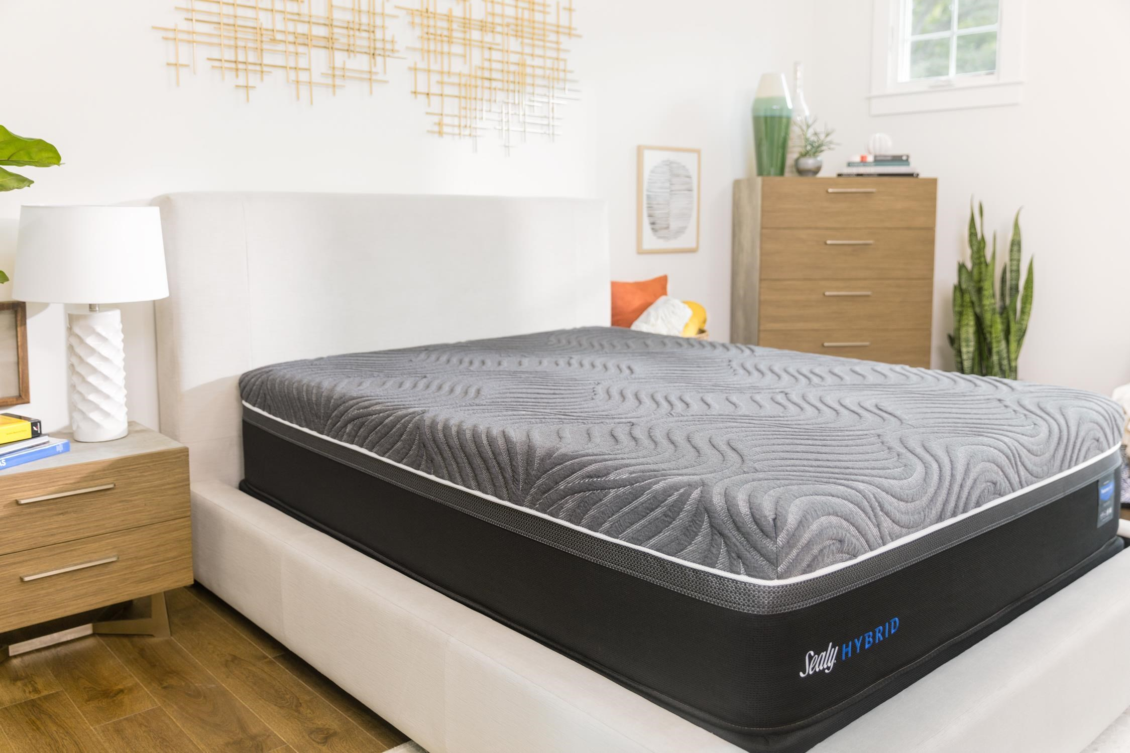 Sealy 2018 Twin XL Posturepedic Hybrid Silver Chill Plu by Sealy at Johnny Janosik
