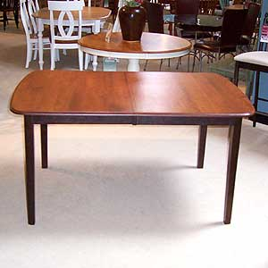 Shermag Portfolio Oval Table