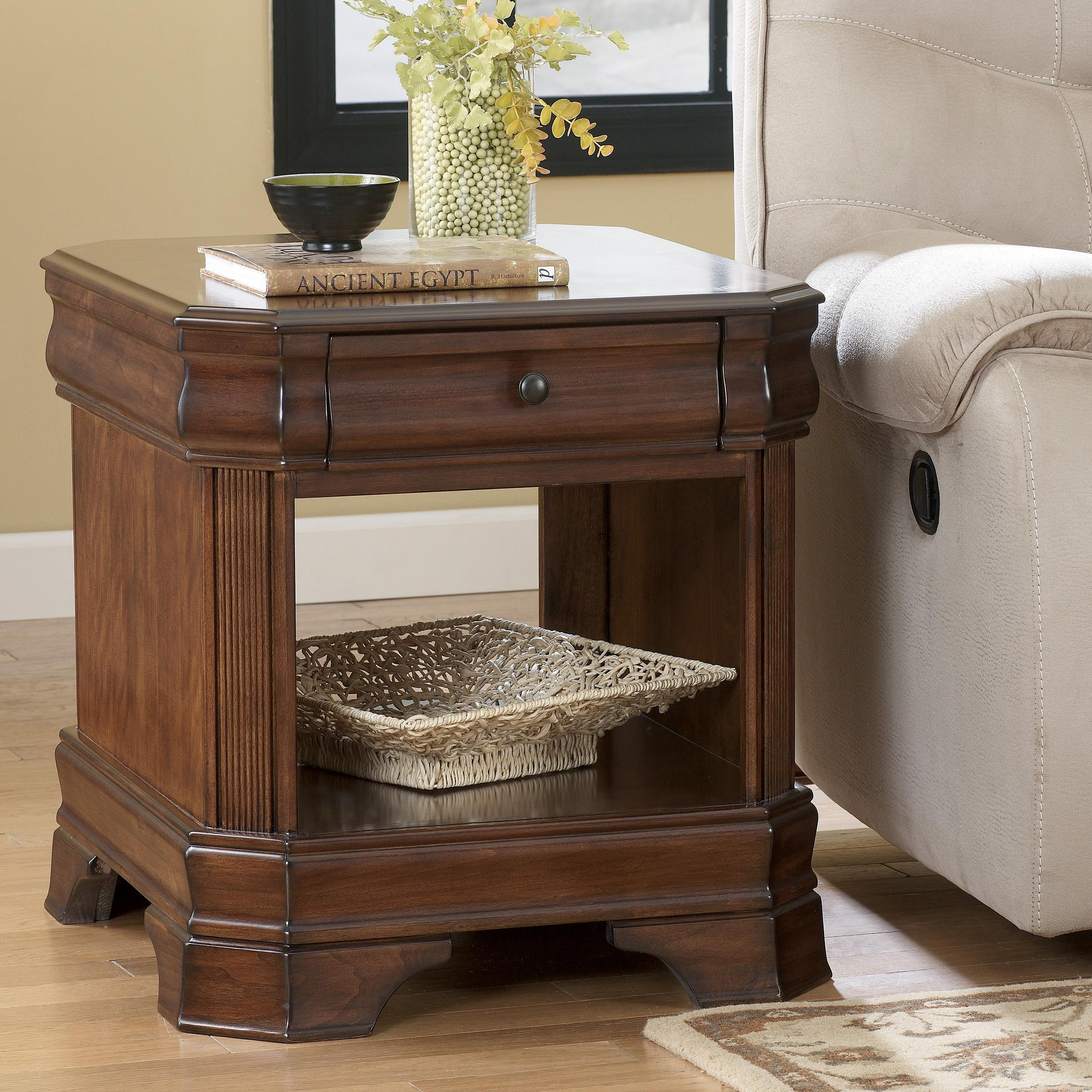 Signature Design by Ashley Hamlyn  Rectangular End Table - Item Number: T677-3