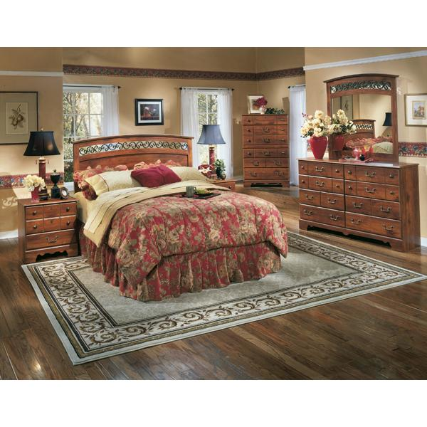 Signature Design By Ashley Pine Ridge 5 Piece Queen Bedroom Set   Item  Number: 5